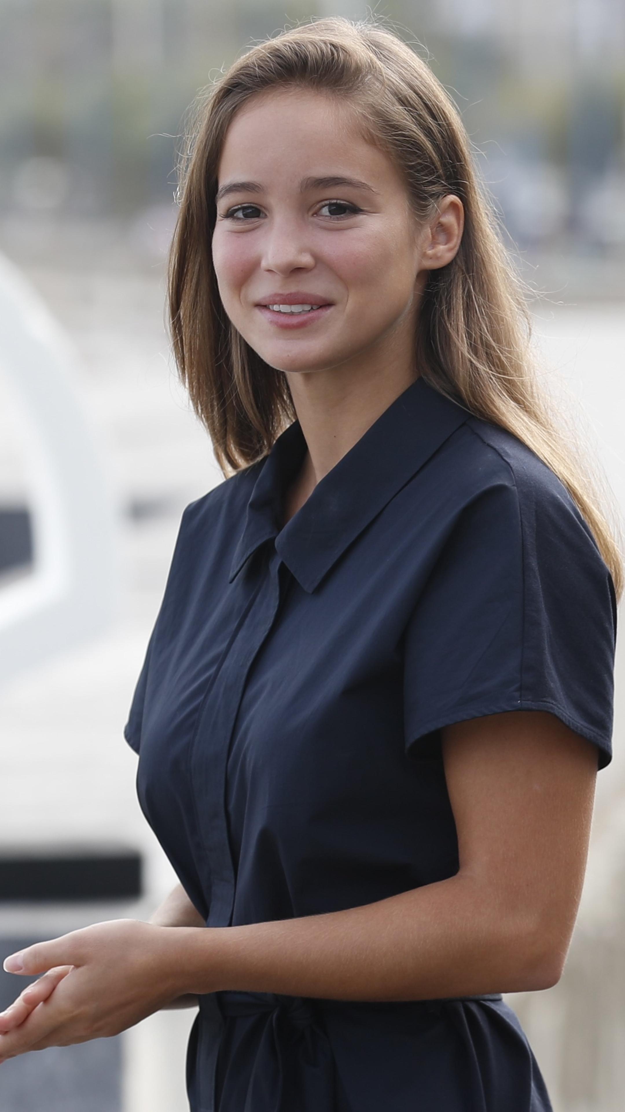 Picture of Alba Baptista