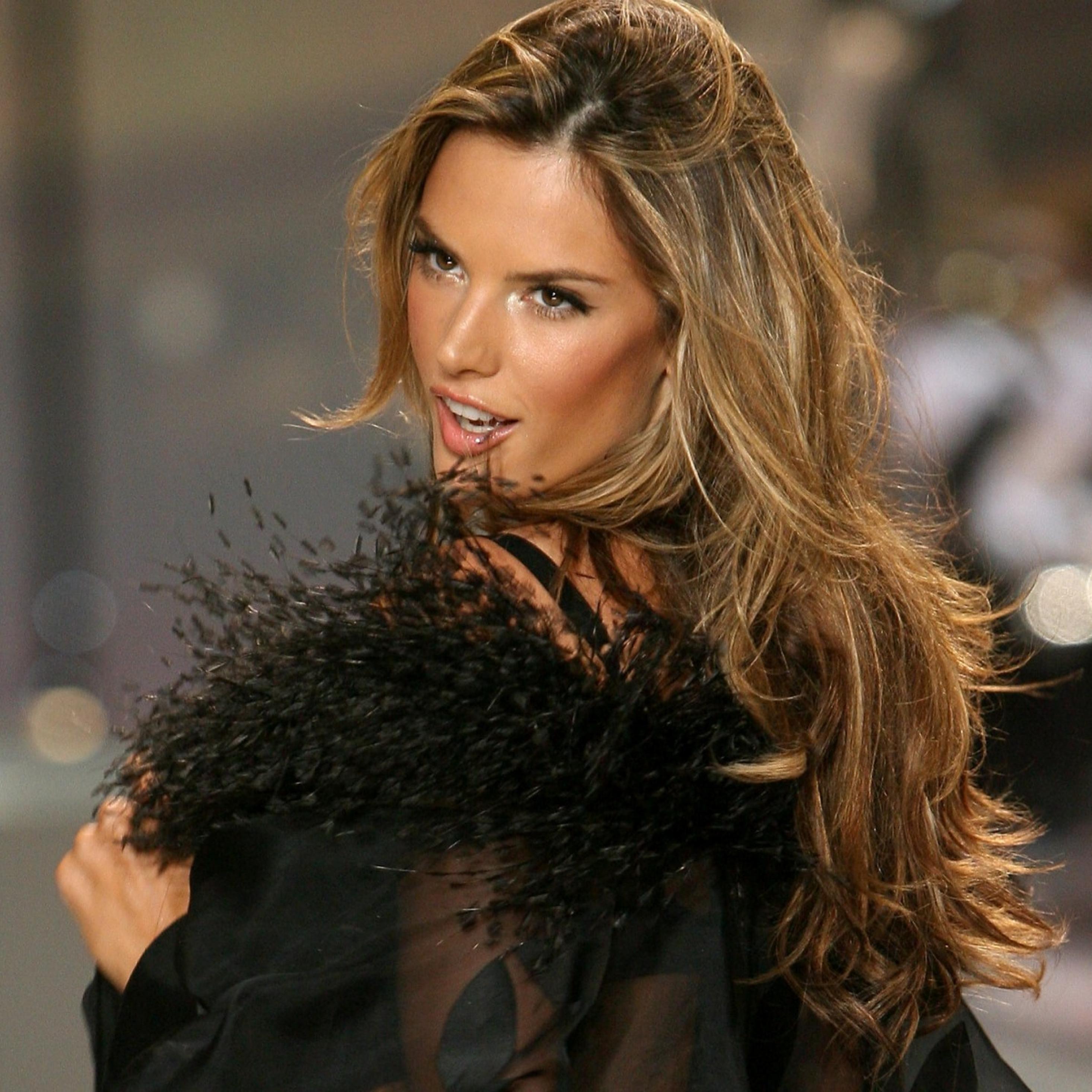 f5b8c280fc 2932x2932 Alessandra Ambrosio Victoria S Secret Fashion Show Ipad ...