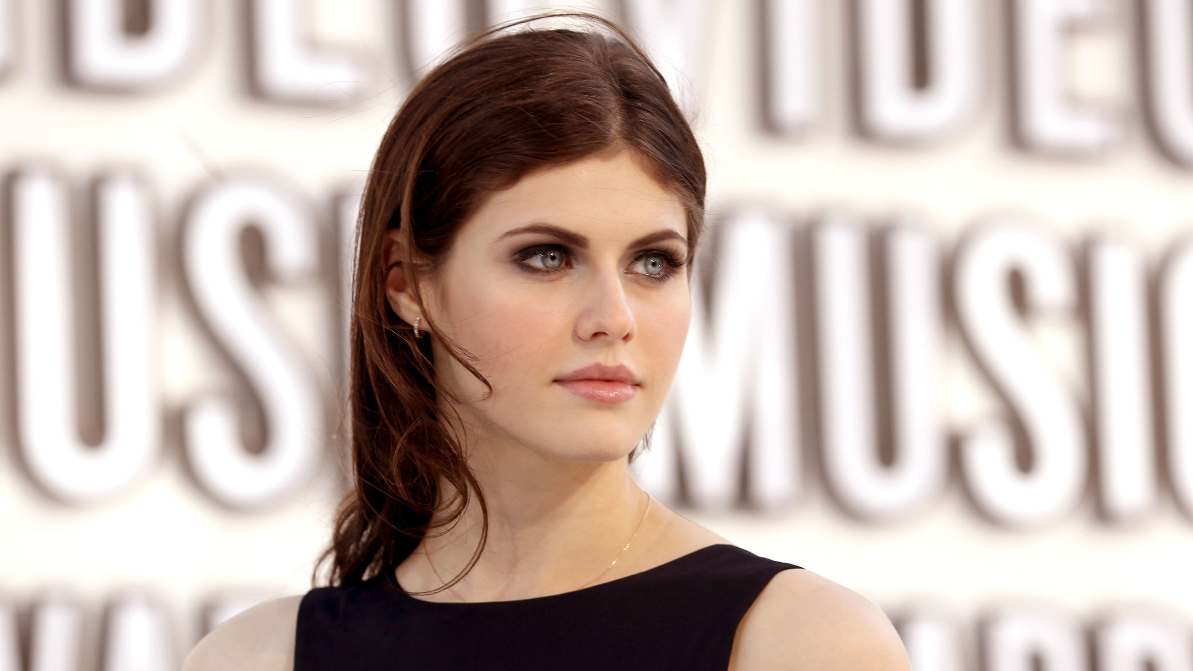 Alexandra Daddario Beautiful Eyes HD 4K Wallpaper