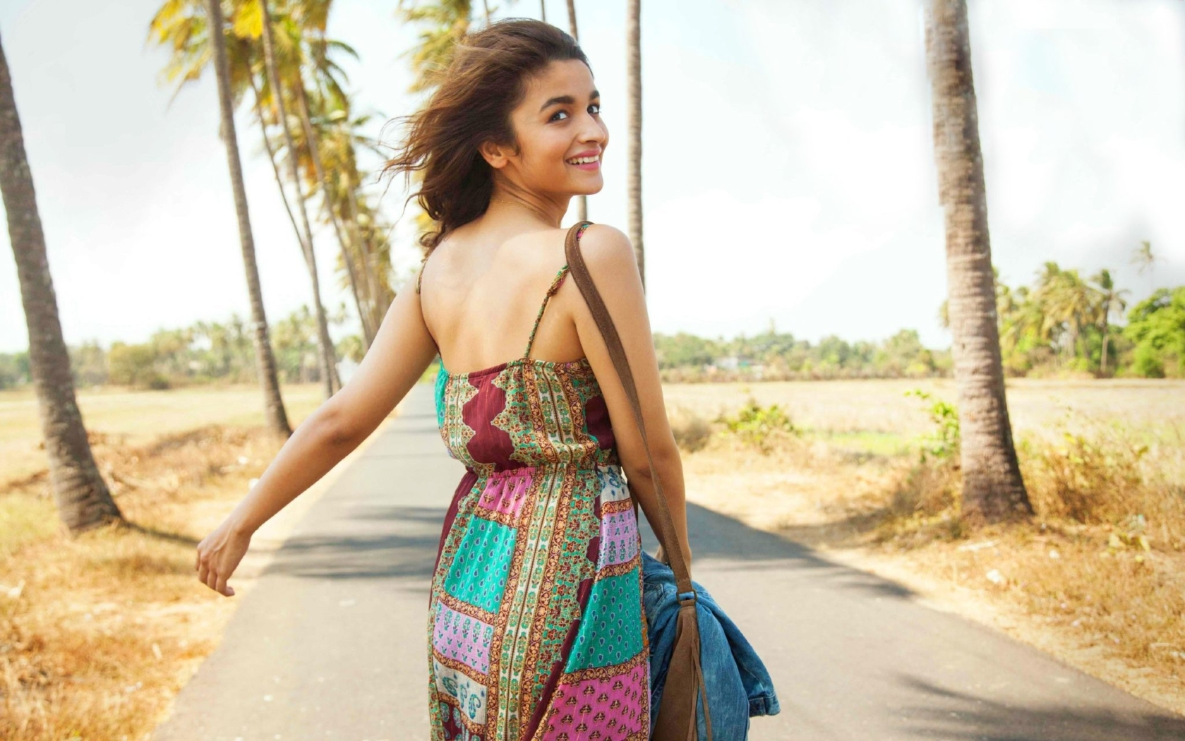 Alia Bhatt Birthday Hd: Alia Bhatt Dear Zindagi, Full HD 2K Wallpaper
