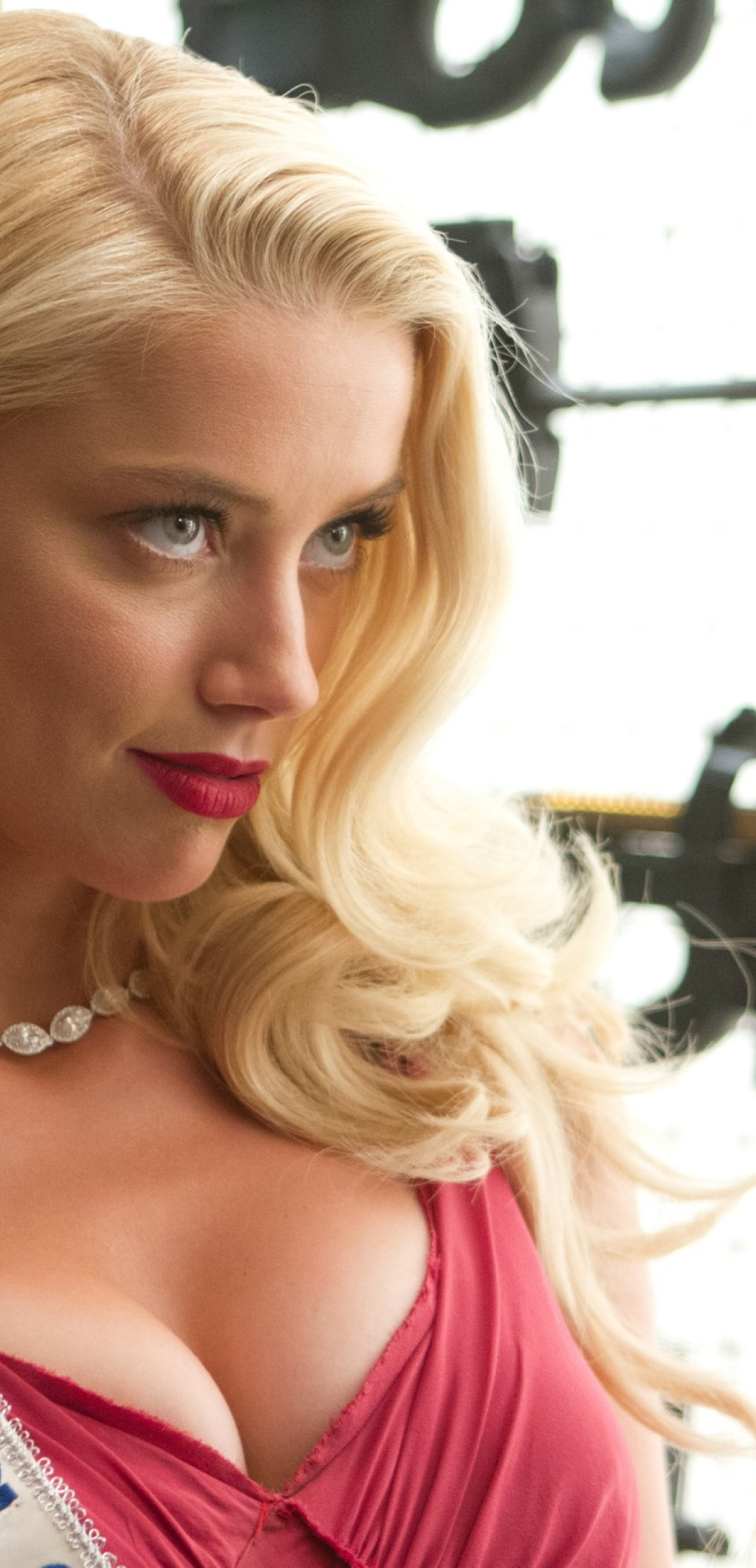 Amber Heard Gorgeous Hd Photo Collection Wallpaper, HD