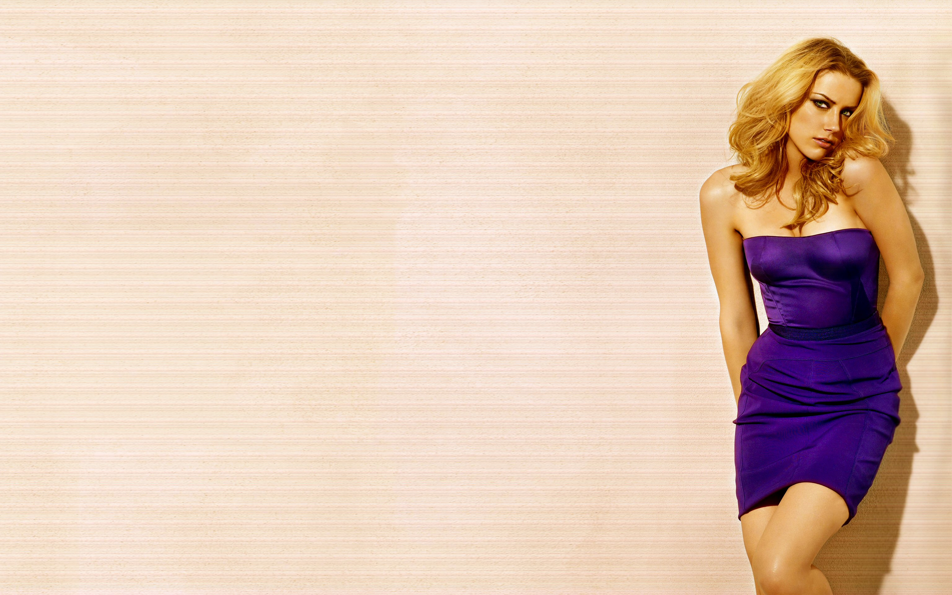 Screenshot: Celebrity - Amber Heard   Amber heard