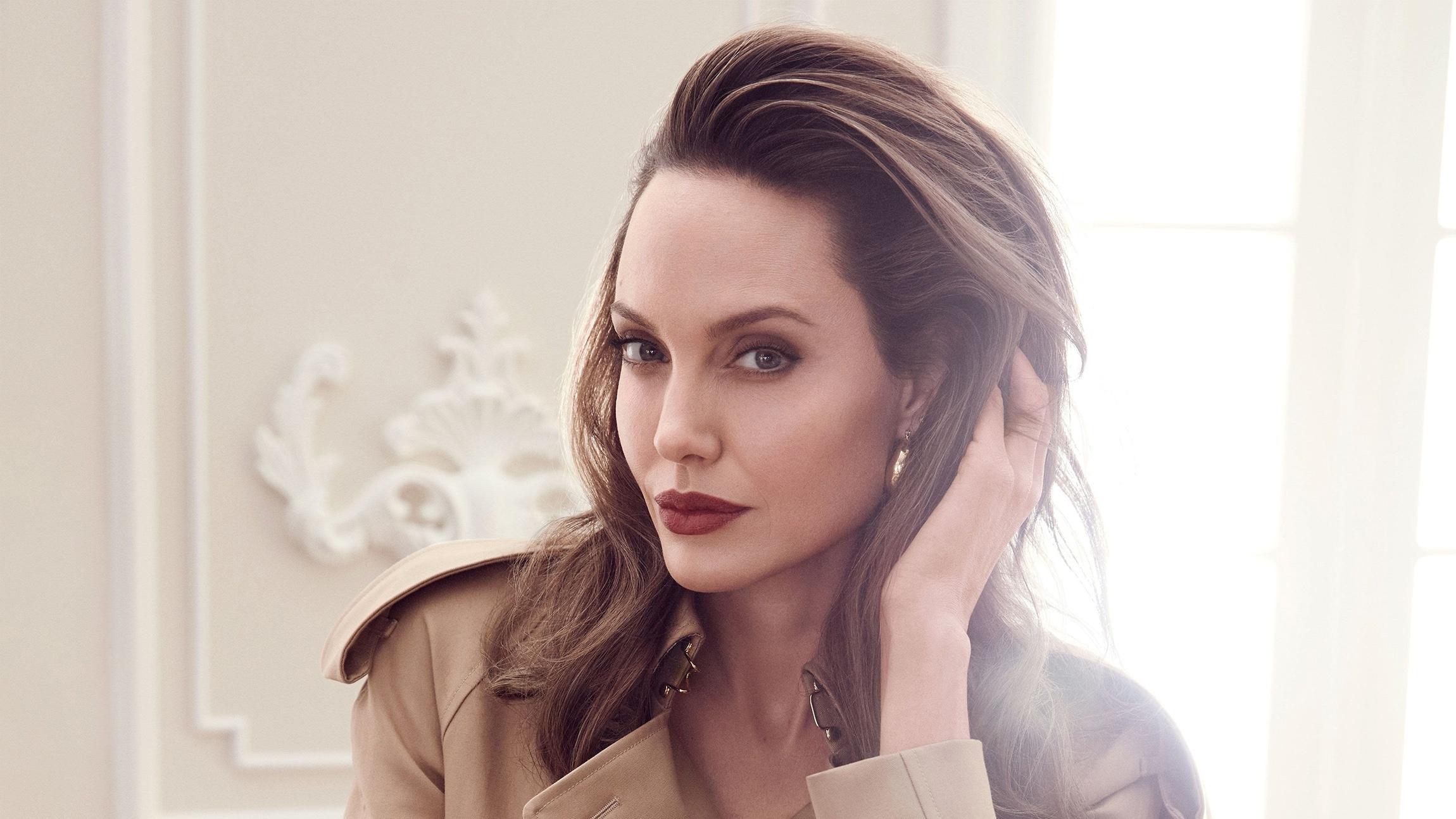 Angelina Jolie Wallpapers #1:Togog Dolanan Blog