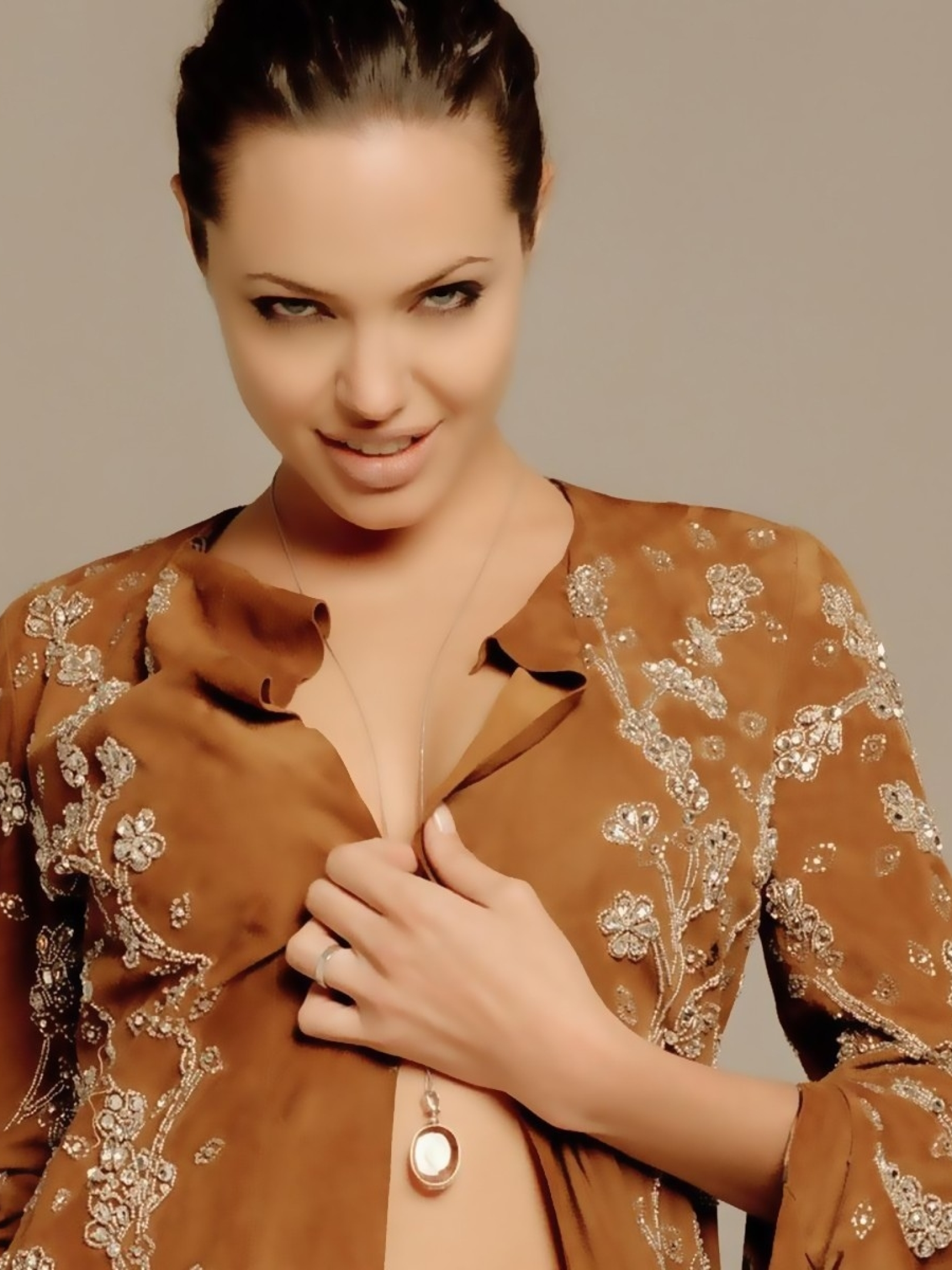 Angelina Jolie Sexi Movie 1620x2160 angelina jolie sexy photoshoot 1620x2160