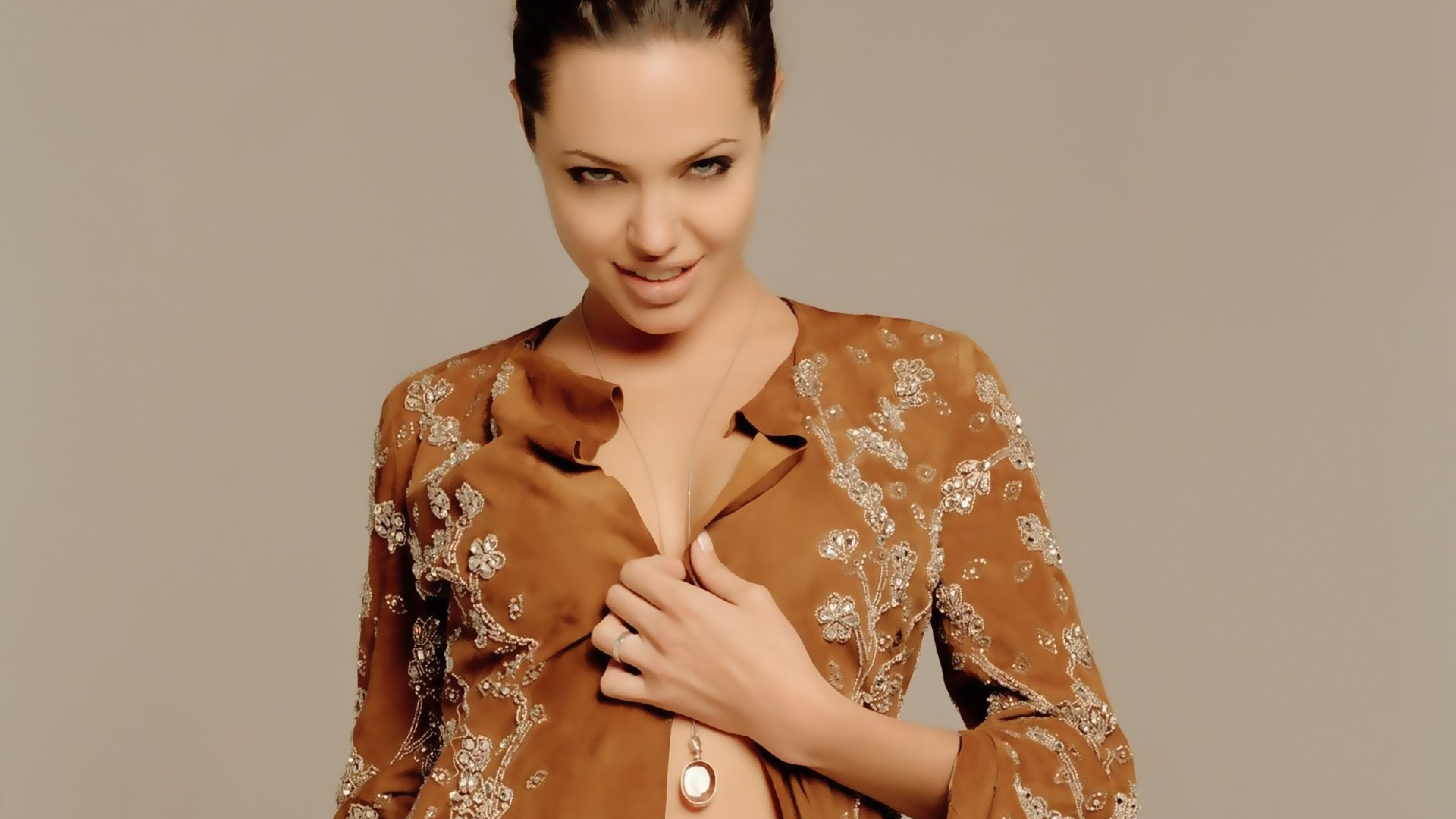 Download Angelina Jolie Sexy Photoshoot 1600X1200 Resolution, Full Hd Wallpaper-7993