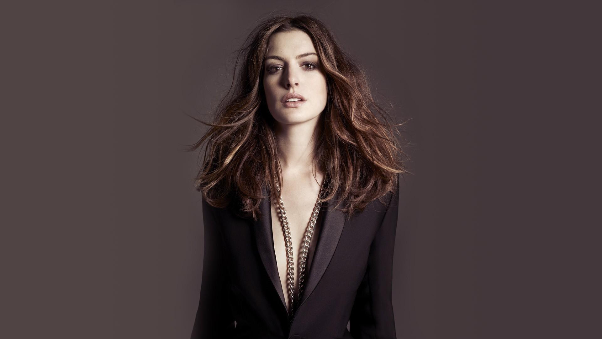 Anne Hathaway Hd Photos Wallpaper Hd Celebrities 4k