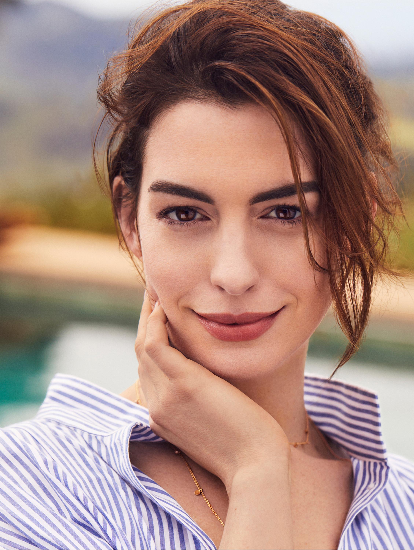 Anne Hathaway: a atriz é puro estilo! - Prata e Arte   Blog