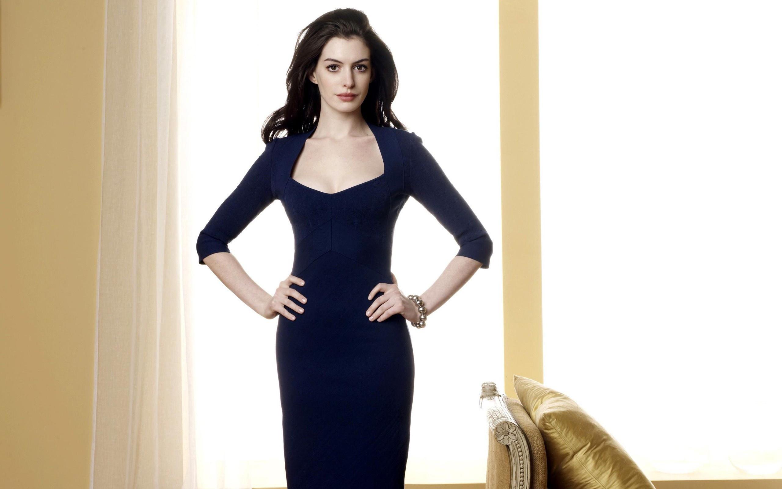 Anne Hathaway Stunning Hd Wallpapers Wallpaper Hd