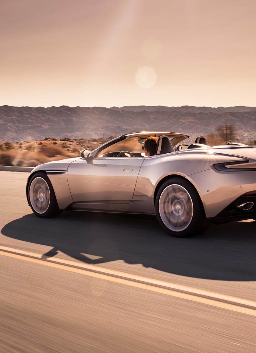 Aston Martin Db11 Vola...