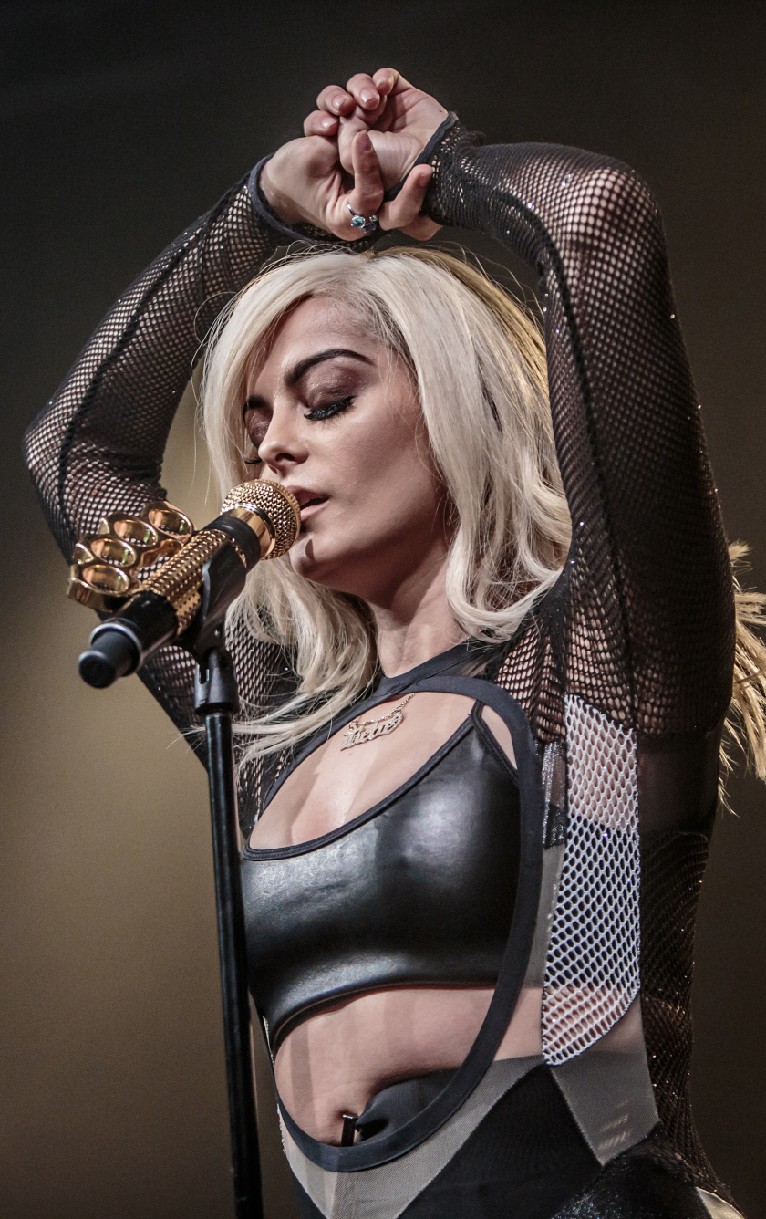 Bebe Rexha Live Performace HD 4K Wallpaper