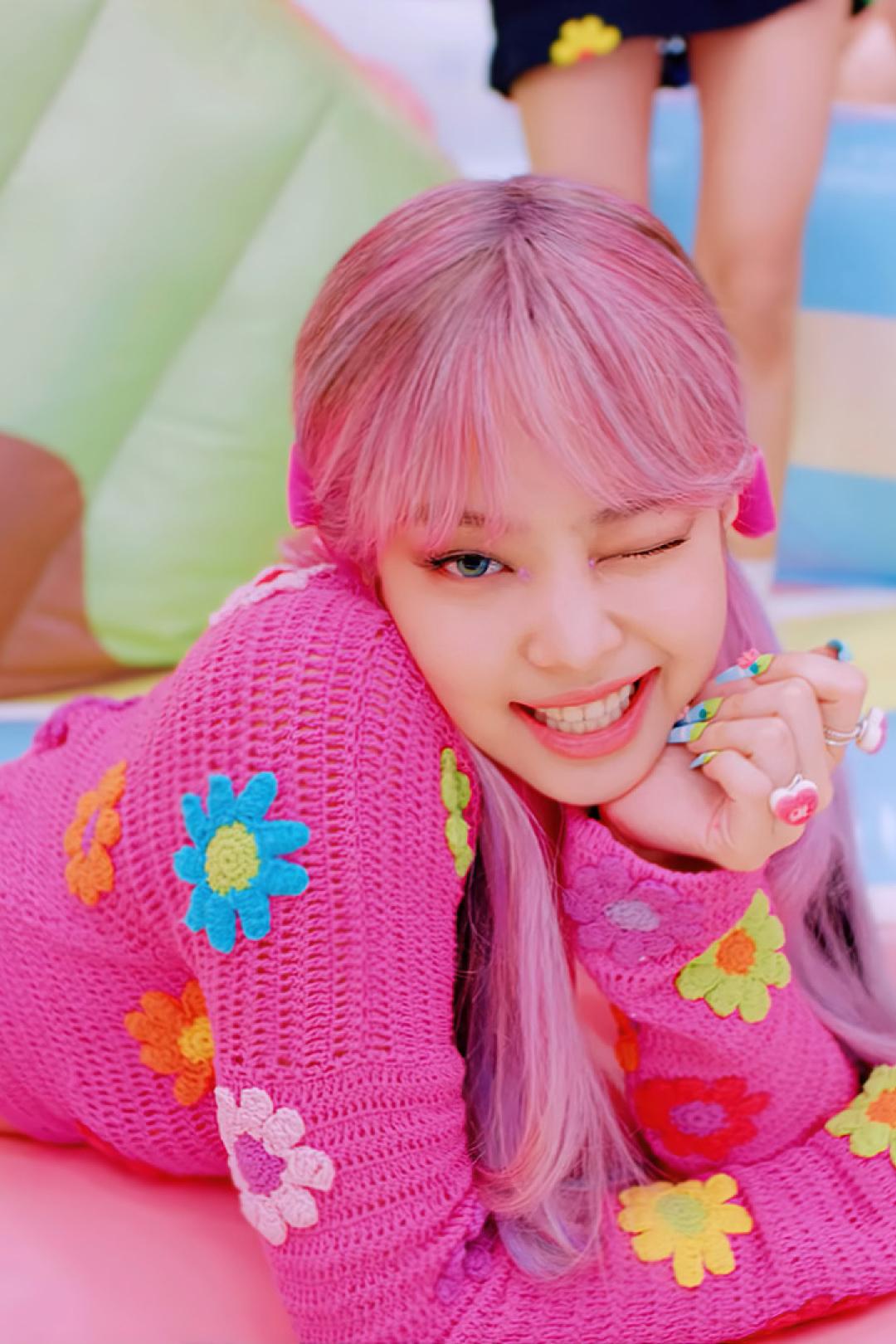 1080x1620 BLACKPINK Jennie Wink Pink Hair 1080x1620 ...