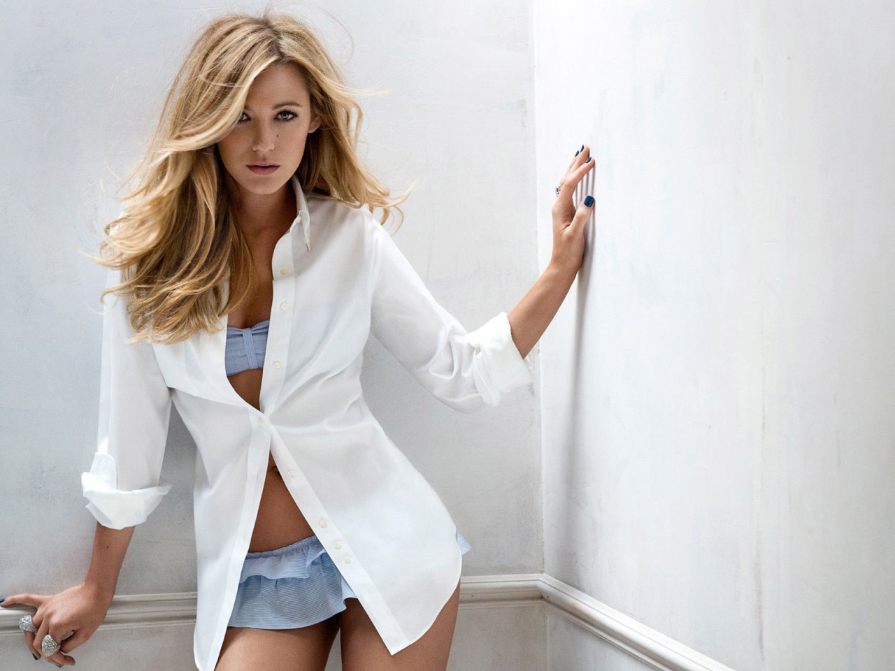 Blake Lively Damn Hot Photoshoot Full HD Wallpaper