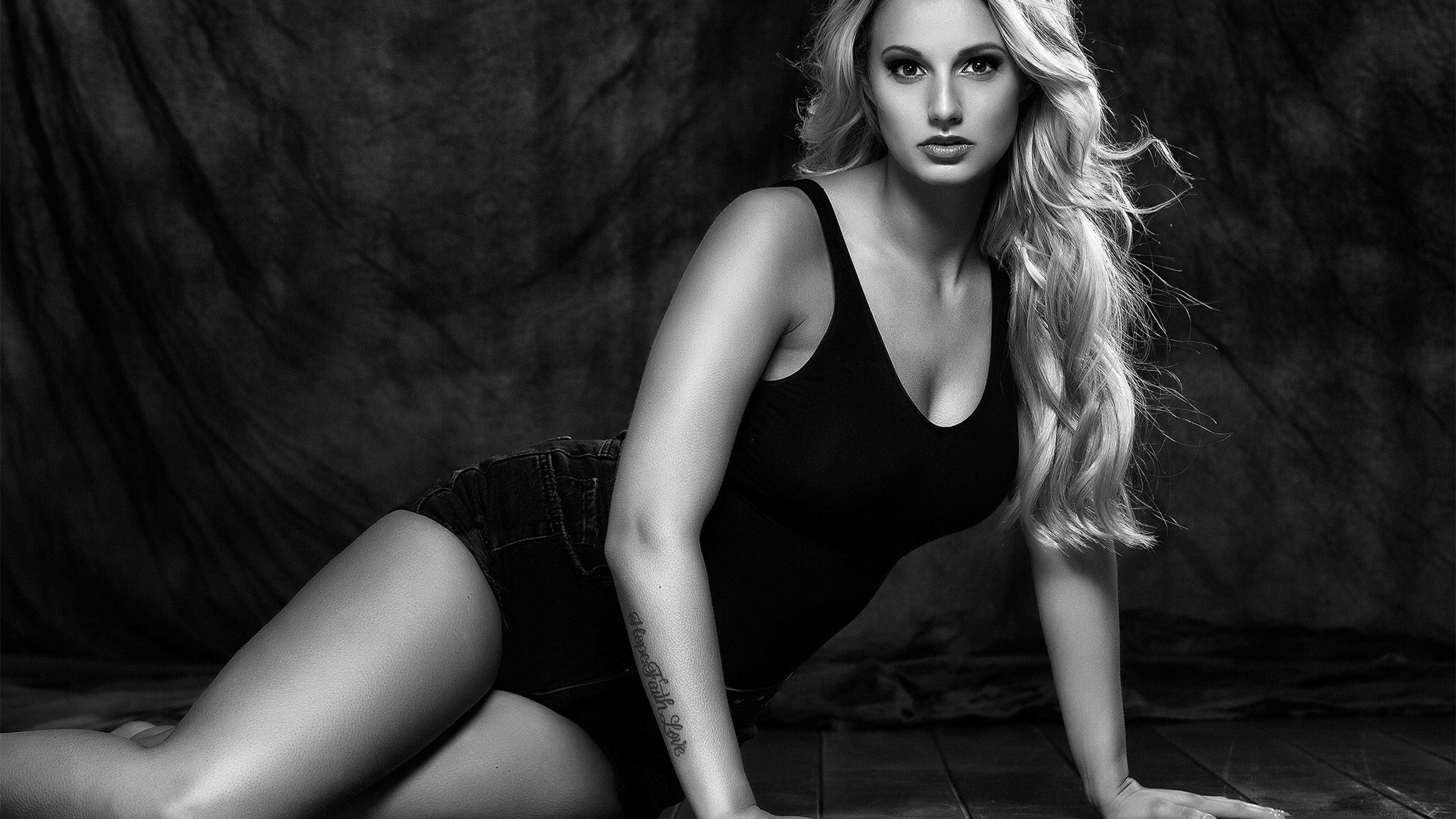 3840x2160 blonde Sexy Women Monochrome 4K Wallpaper, HD ...