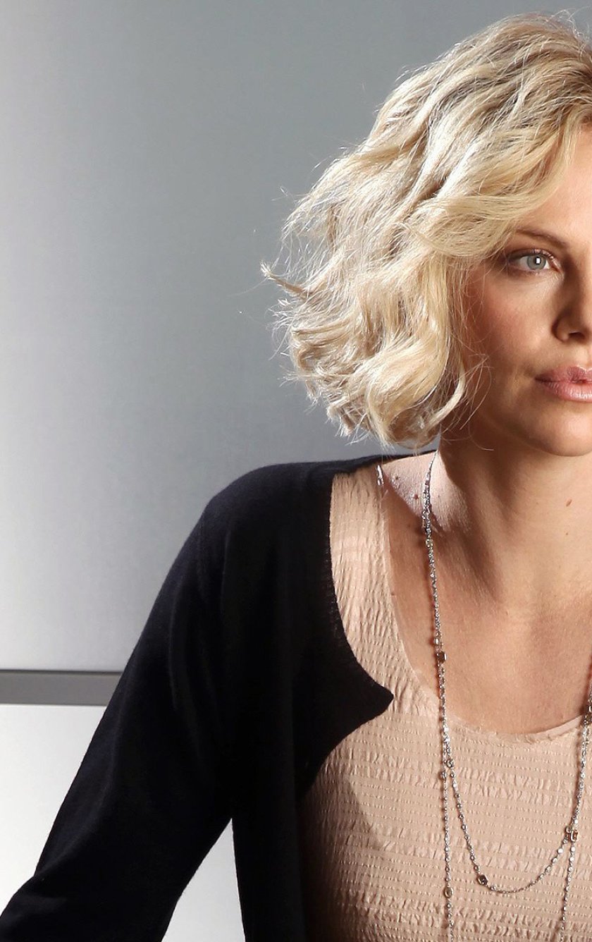 840x1336 Charlize Theron Short Hair Styles 840x1336 Resolution Wallpaper Hd Celebrities 4k Wallpapers Images Photos And Background