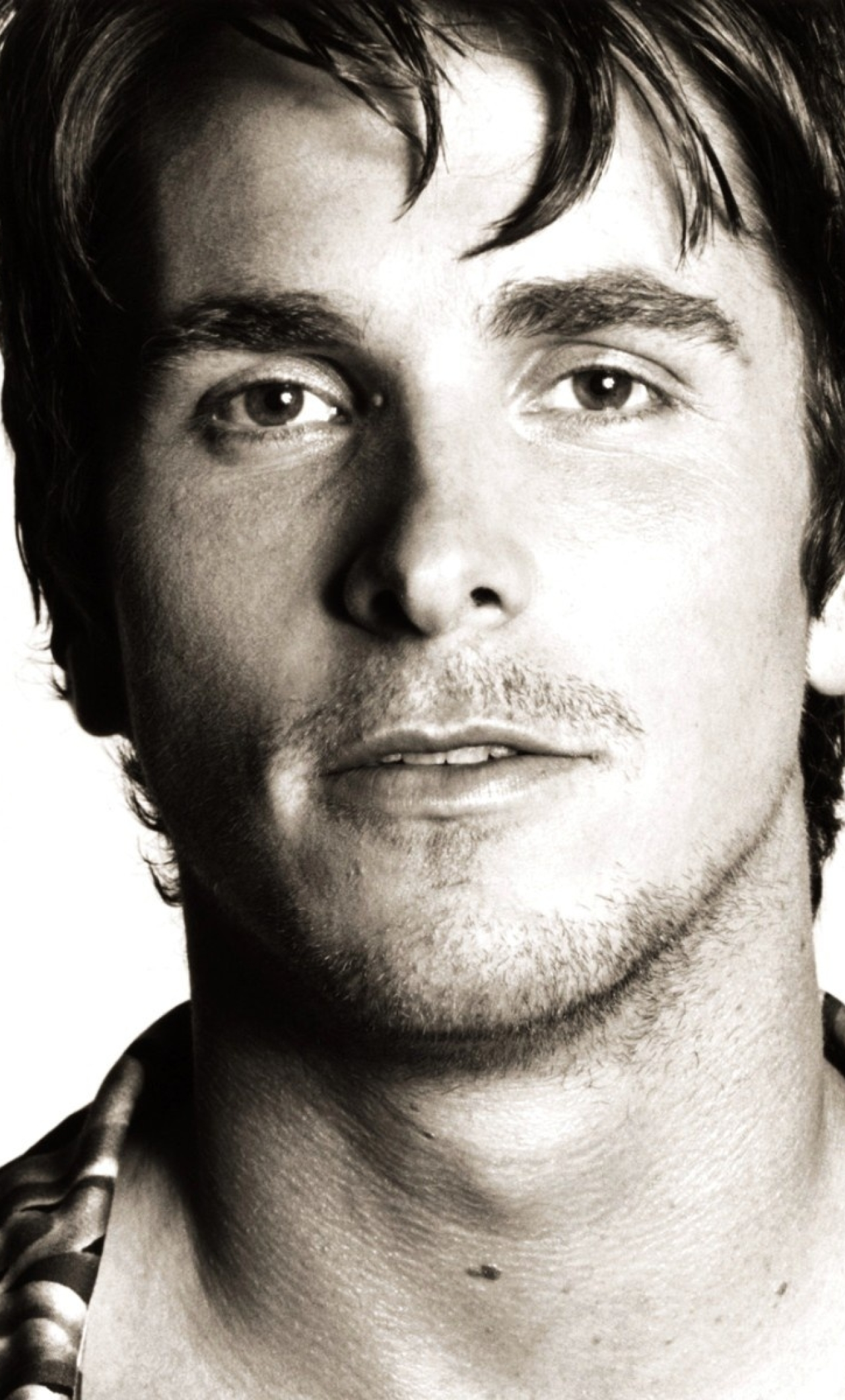Download Christian Bale Photoshoot 240x400 Rk 2 Rs