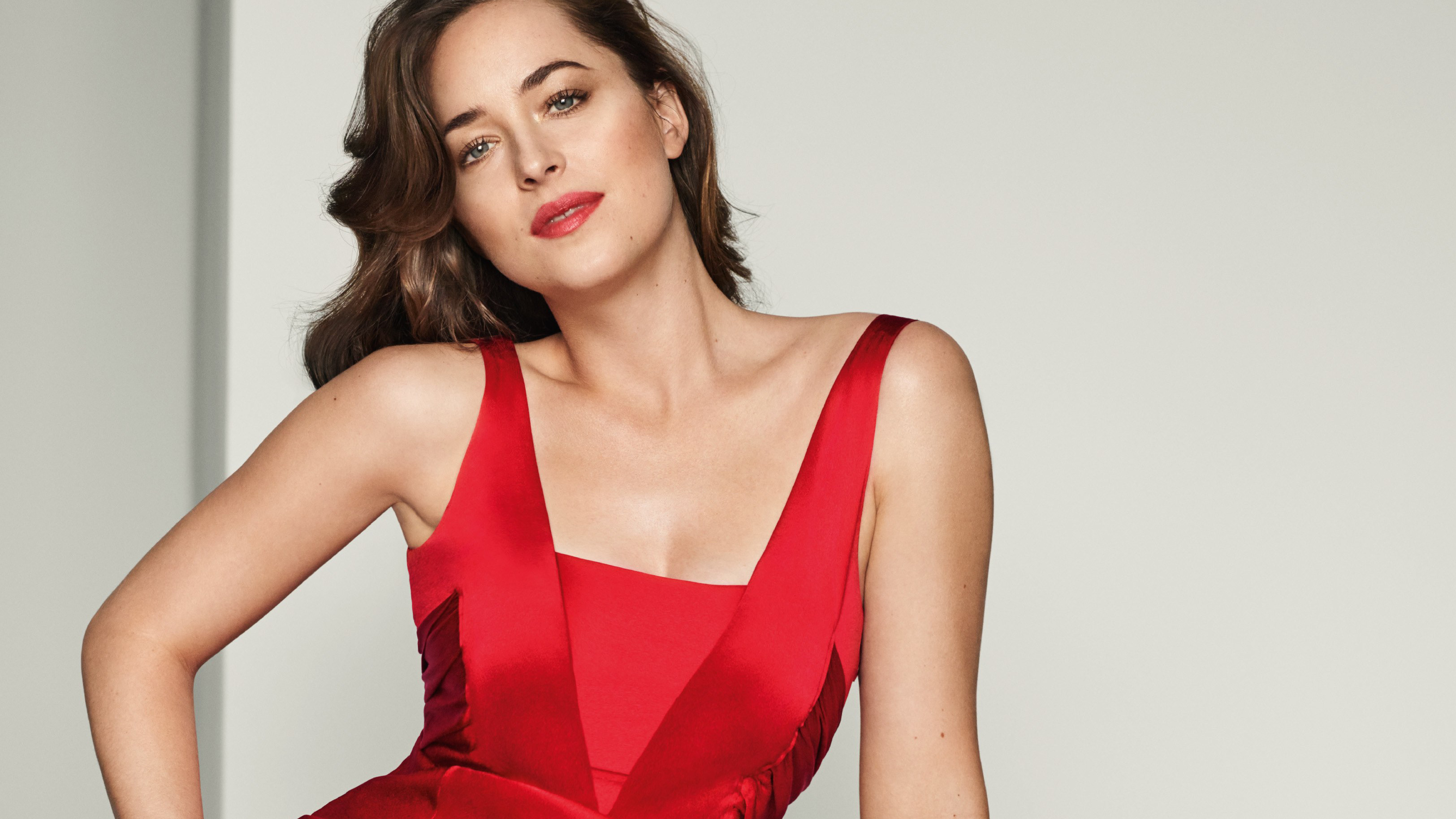2880x1800 Dakota Johnson In Red Outfit Macbook Pro Retina Wallpaper Hd Celebrities 4k Wallpapers Images Photos And Background