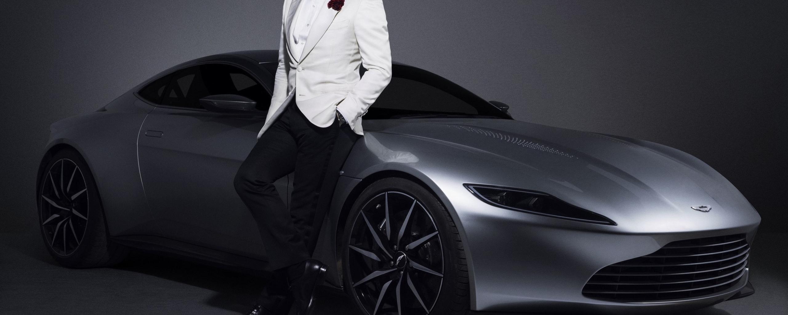 Daniel Craig 007 James Bond Aston Martin Car Photoshoot ...