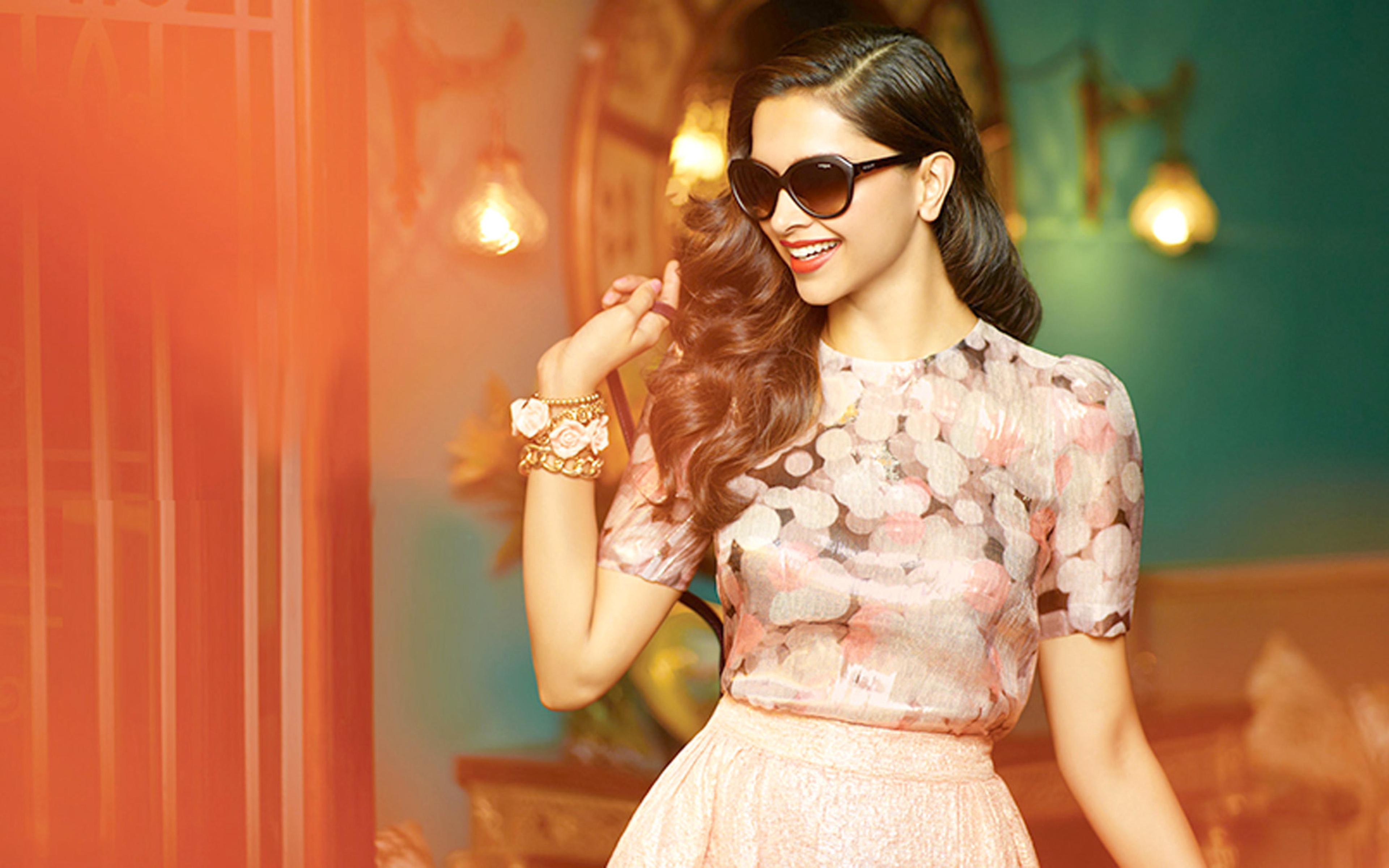 3840x2400 Deepika Padukone Sexy In Specs Pics UHD 4K ...