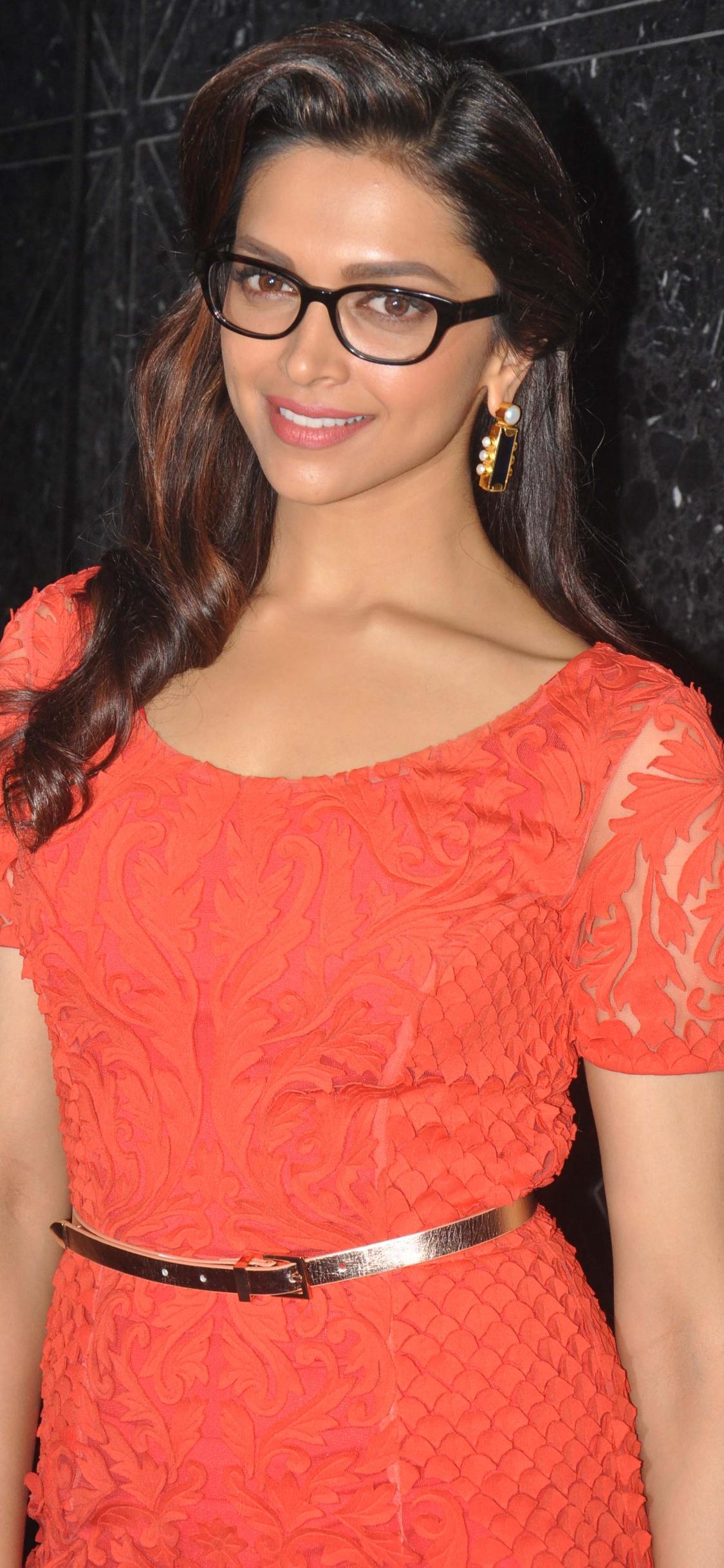 1125x2436 Deepika Padukone Vogue Eyewear Collection Iphone ...