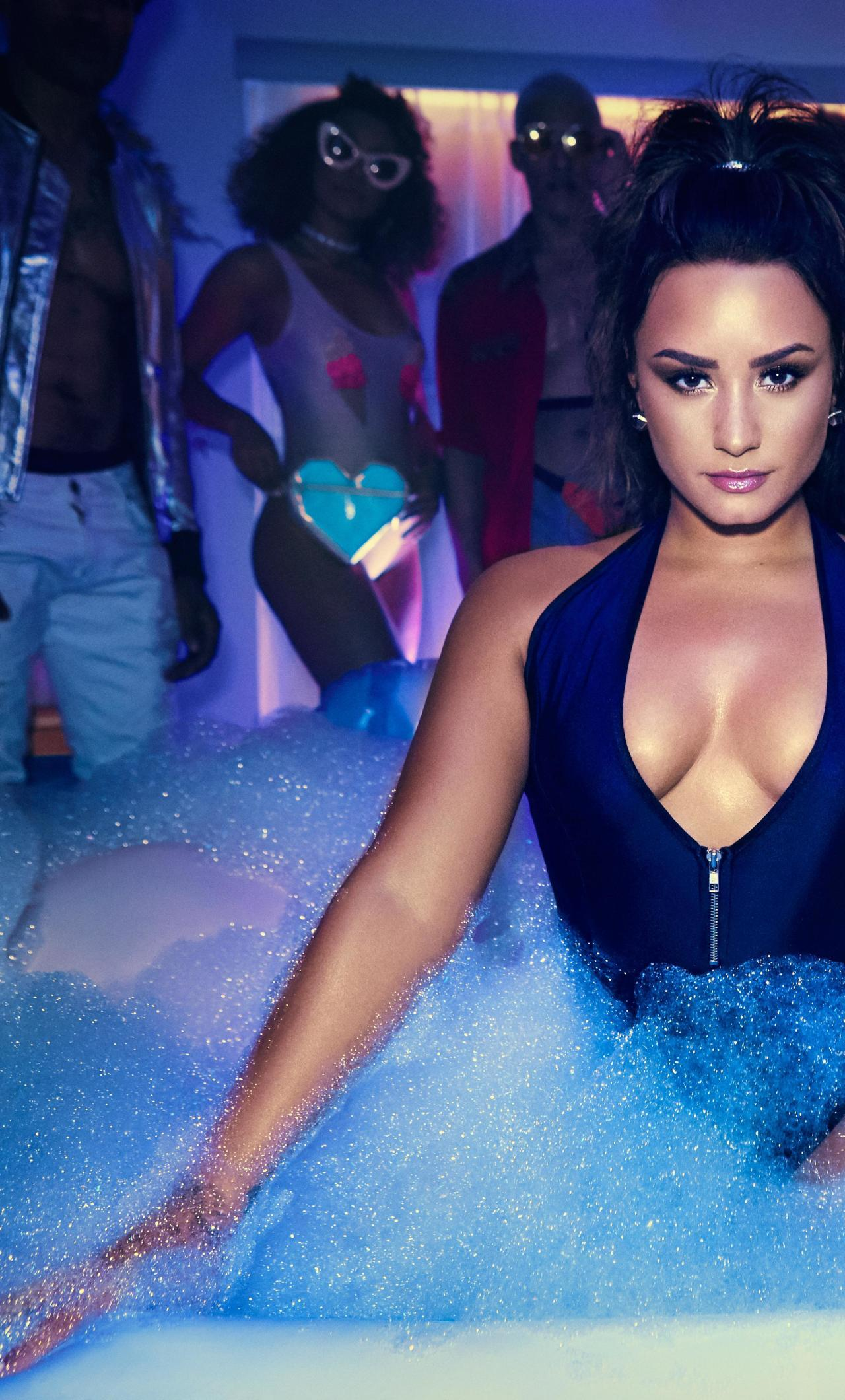 Demi Lovato Swimsuit Photoshoot, HD 8K Wallpaper