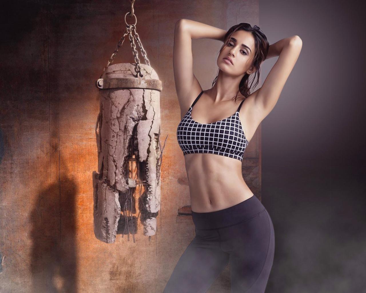 Disha Patani Ultra New Hd Wallpaper In Bikini: Disha Patani Workout Photoshoot, Full HD Wallpaper