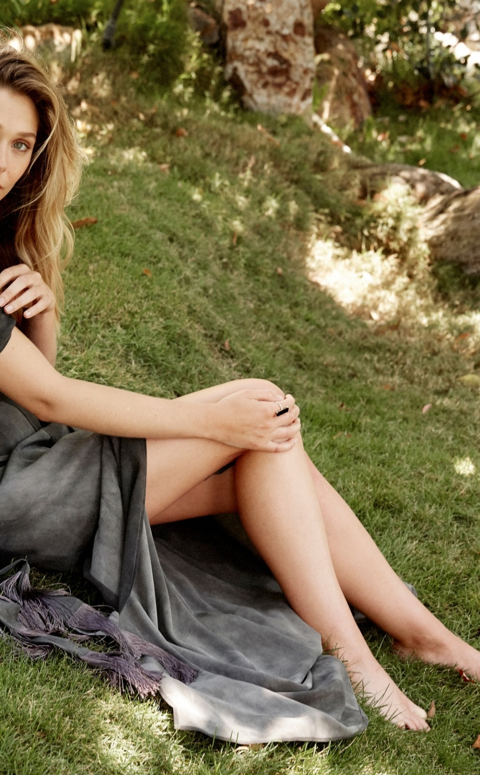 Download Elizabeth Olsen Actress Photoshoot 950x1534 Resolution