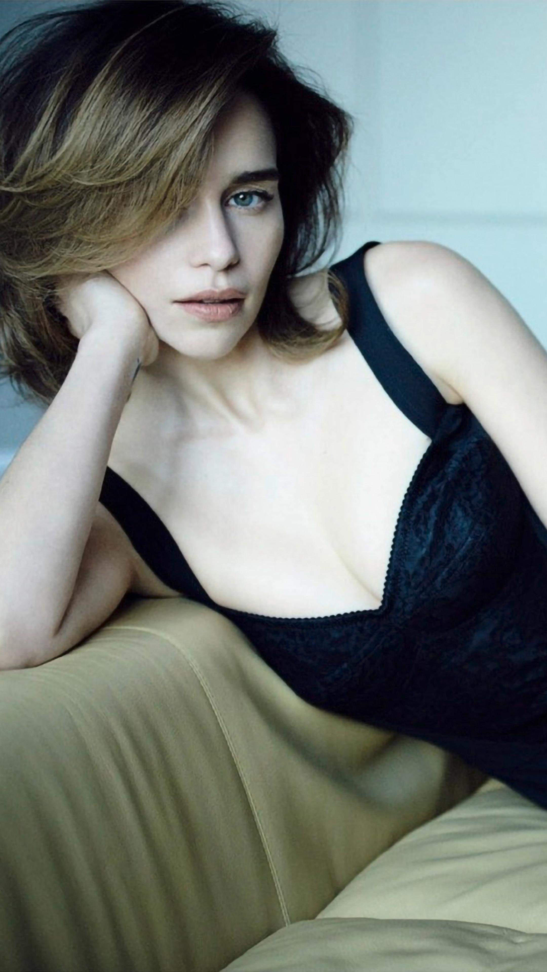 2160x3840 Emilia Clarke Vs Sony Xperia X,XZ,Z5 Premium HD