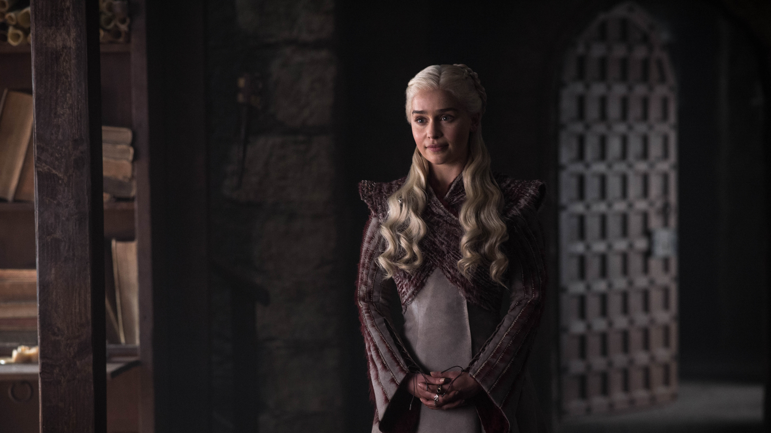 2560x1440 Emilia Clarke As Daenerys Targaryen In Got 8 1440p
