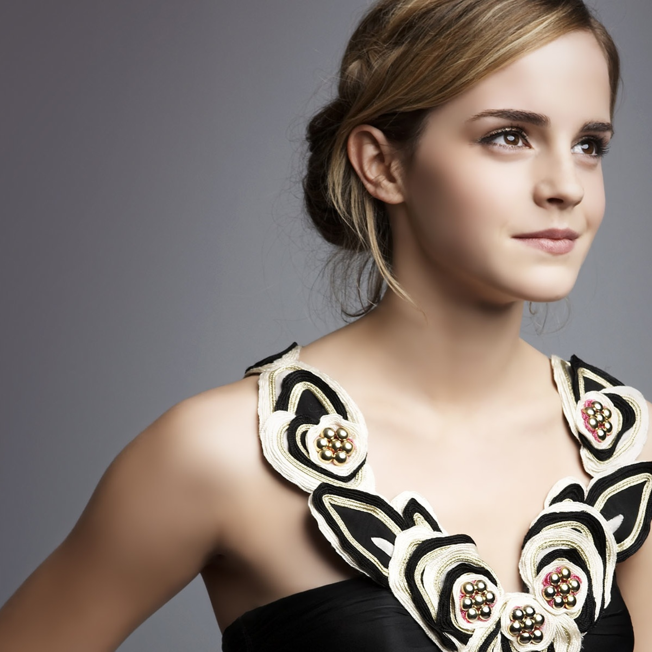 Download emma watson smile pose 540x960 resolution full - Emma watson wallpaper free download ...