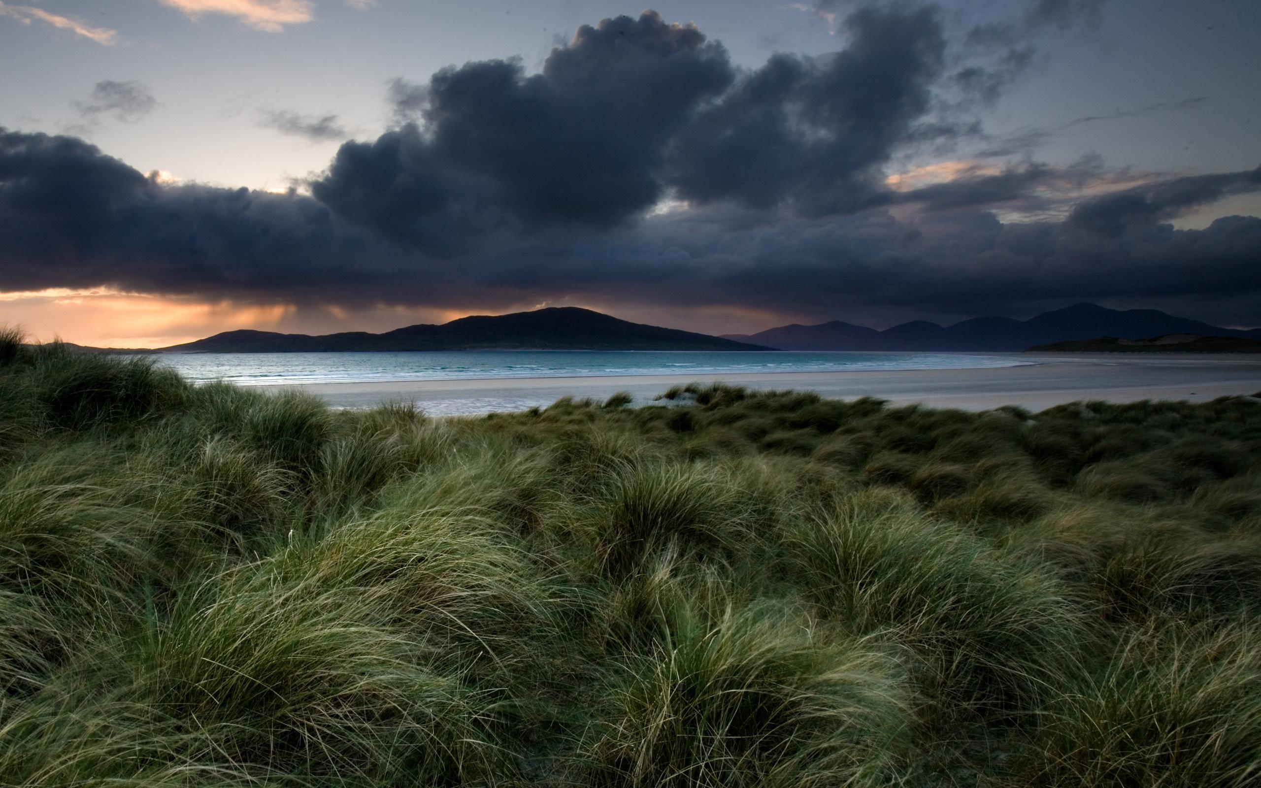 природа небо облака озеро трава горы бесплатно