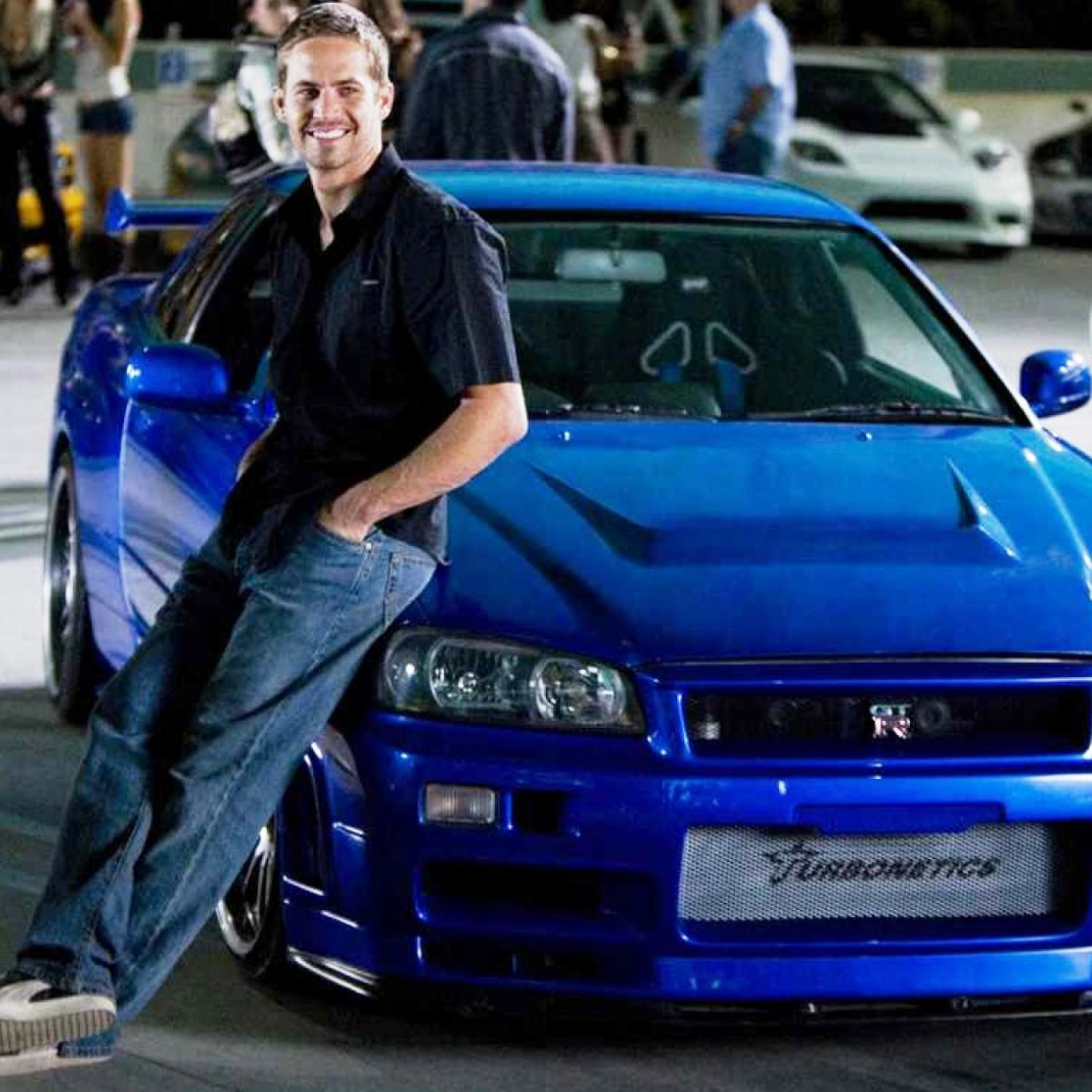 Download Fast And Furious Paul Walker Blue Car Photoshoot
