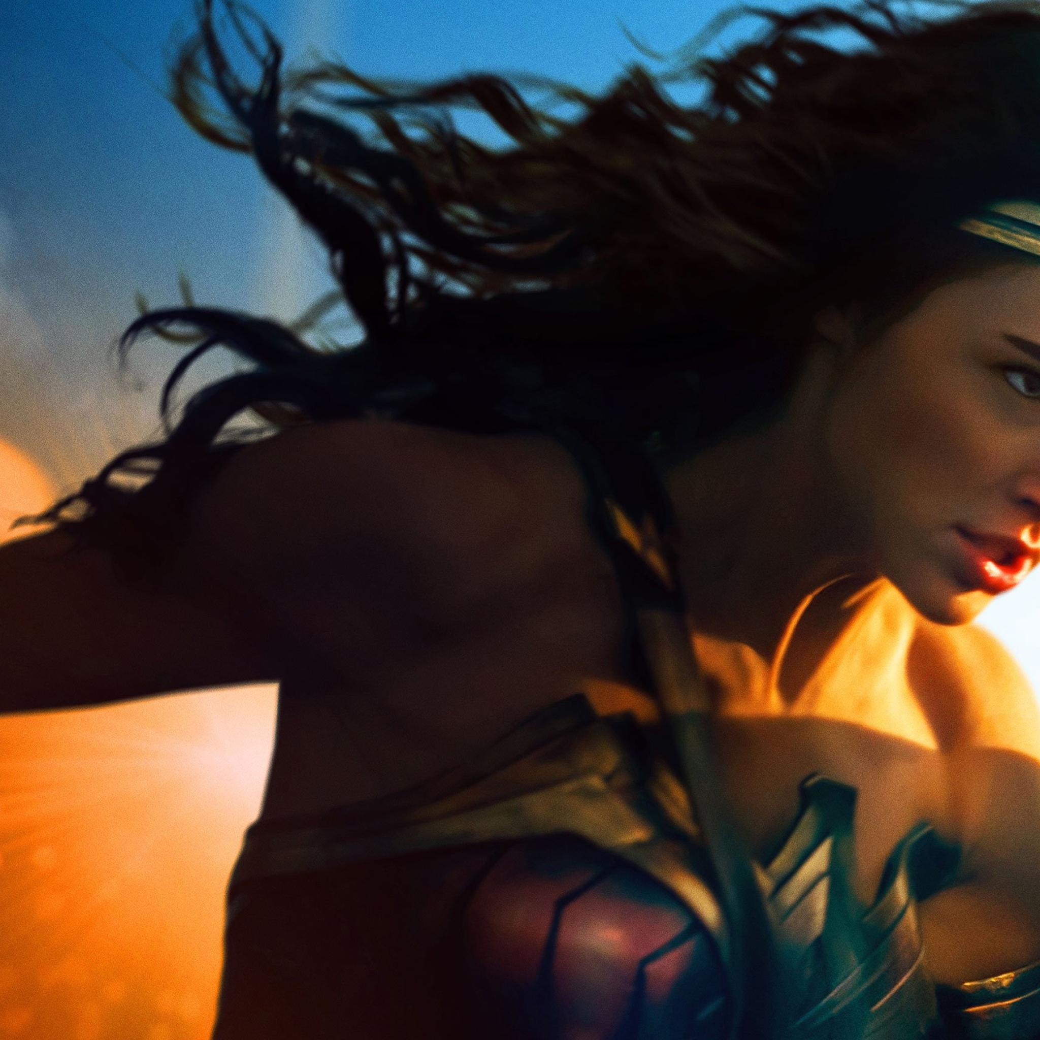 2048x2048 Gal Gadot In Wonder Woman 2017 Ipad Air Wallpaper