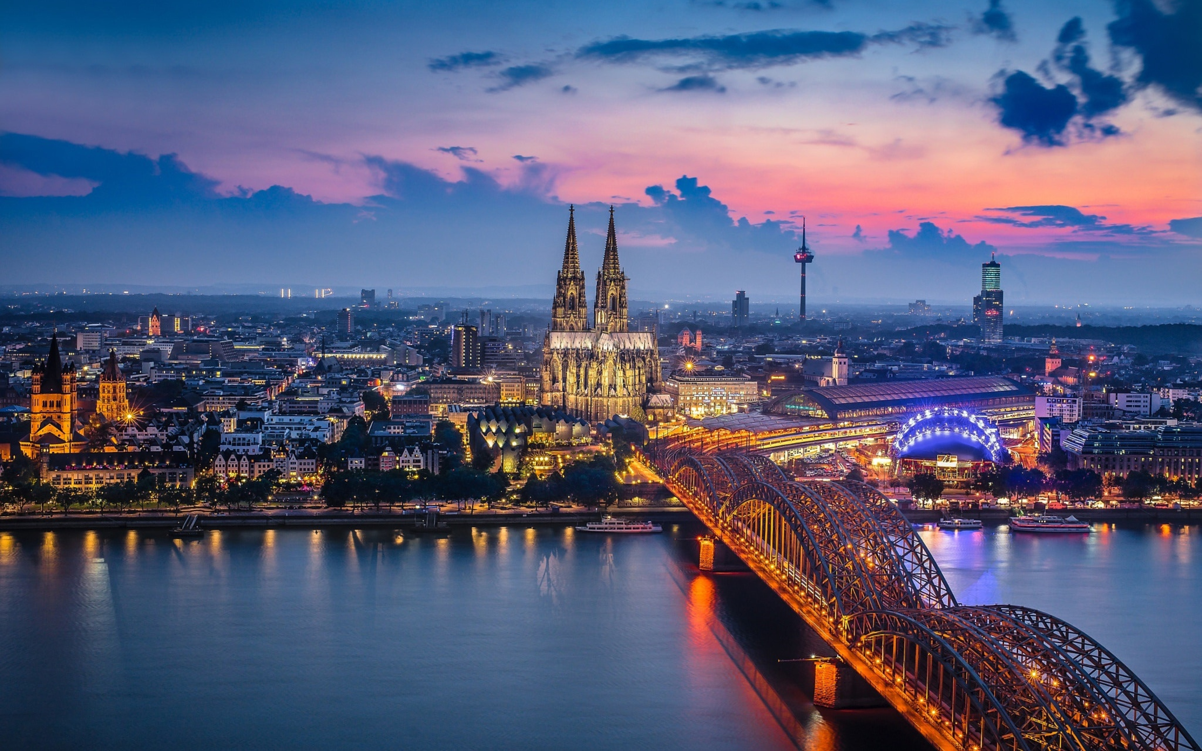 cologne-germany-at-night-thumbs-sexy-hot-teen-babes