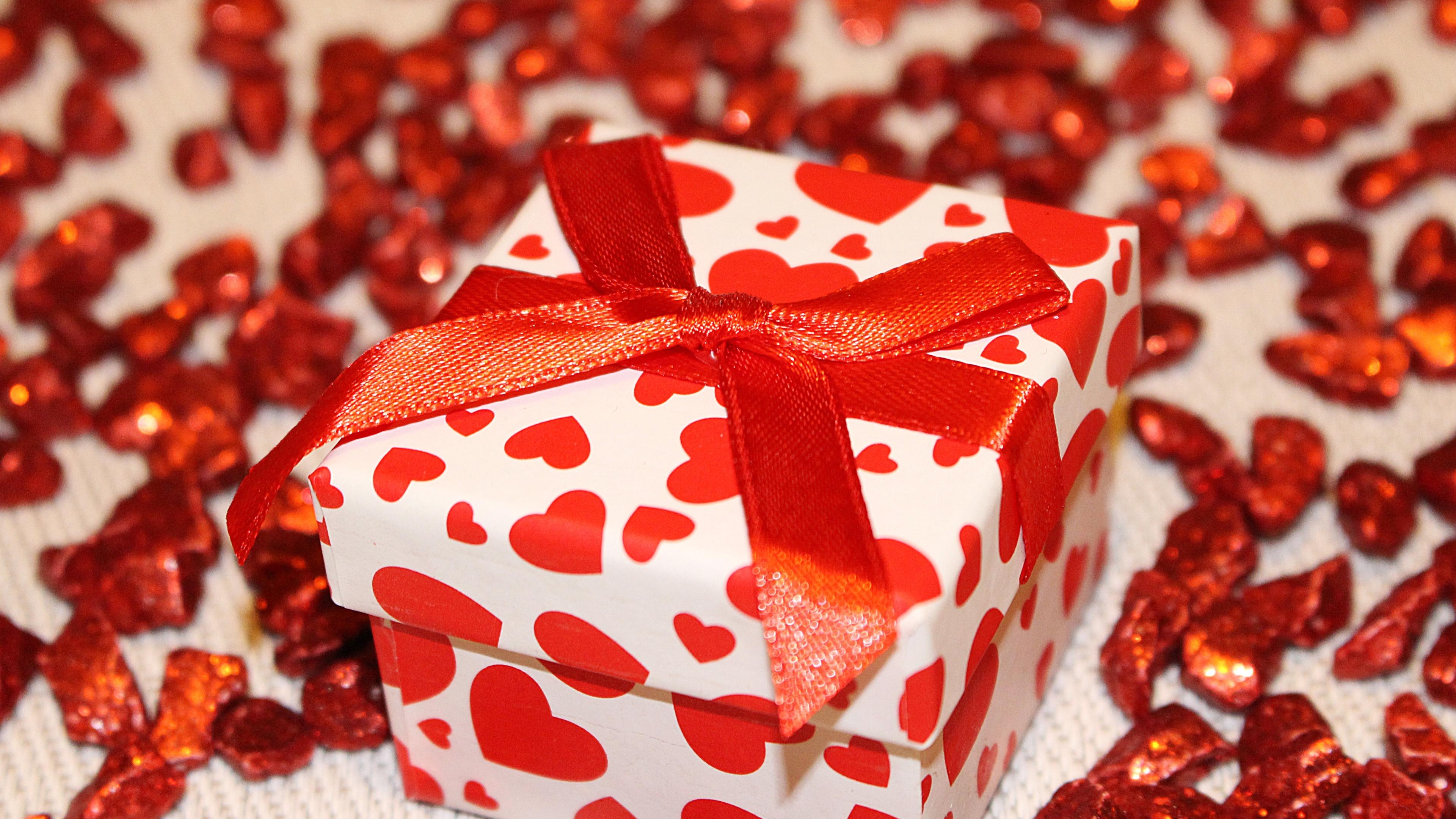 Картинки любовь и подарки 979