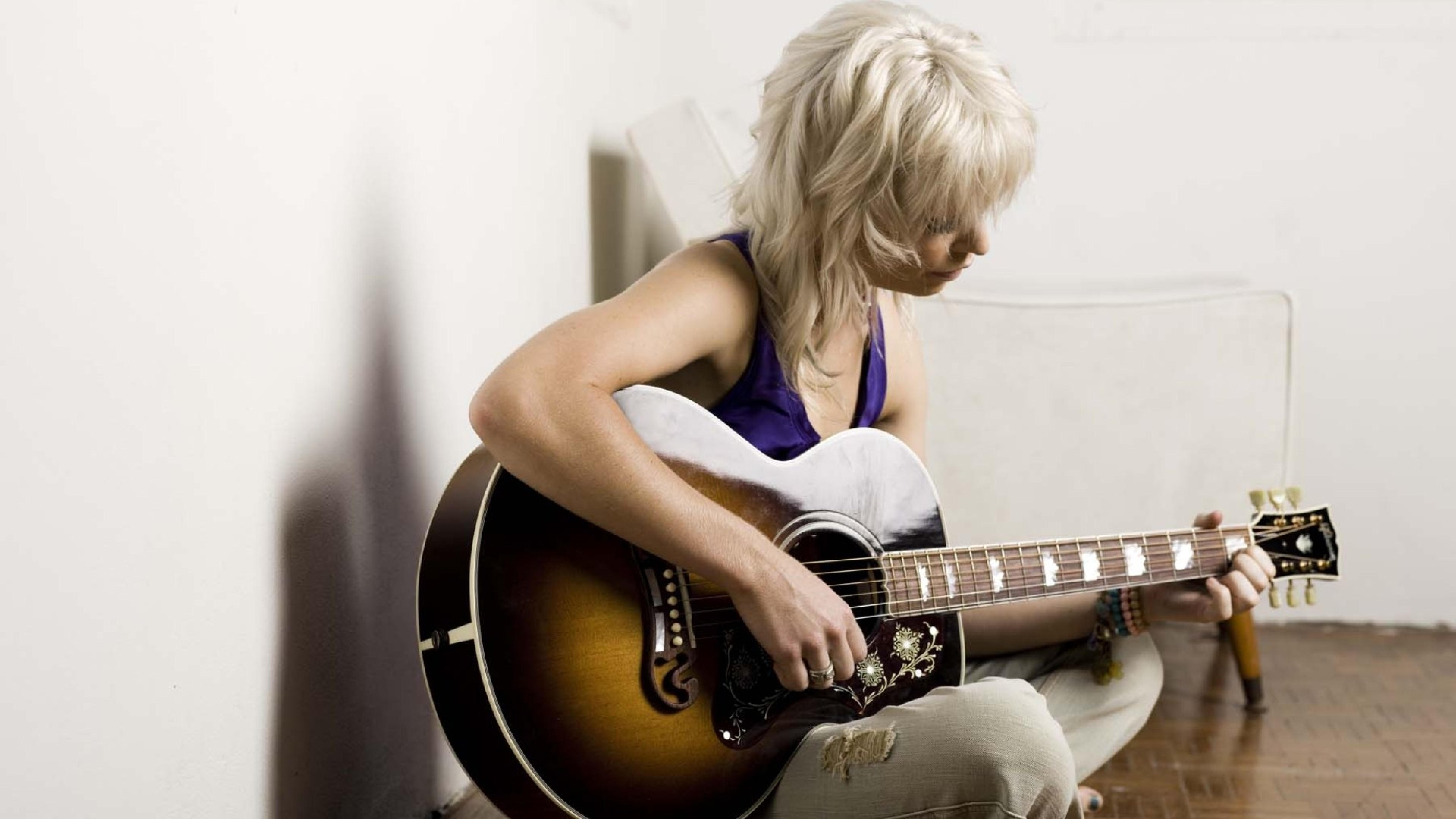 девушки гитара улыбка  № 465437 бесплатно