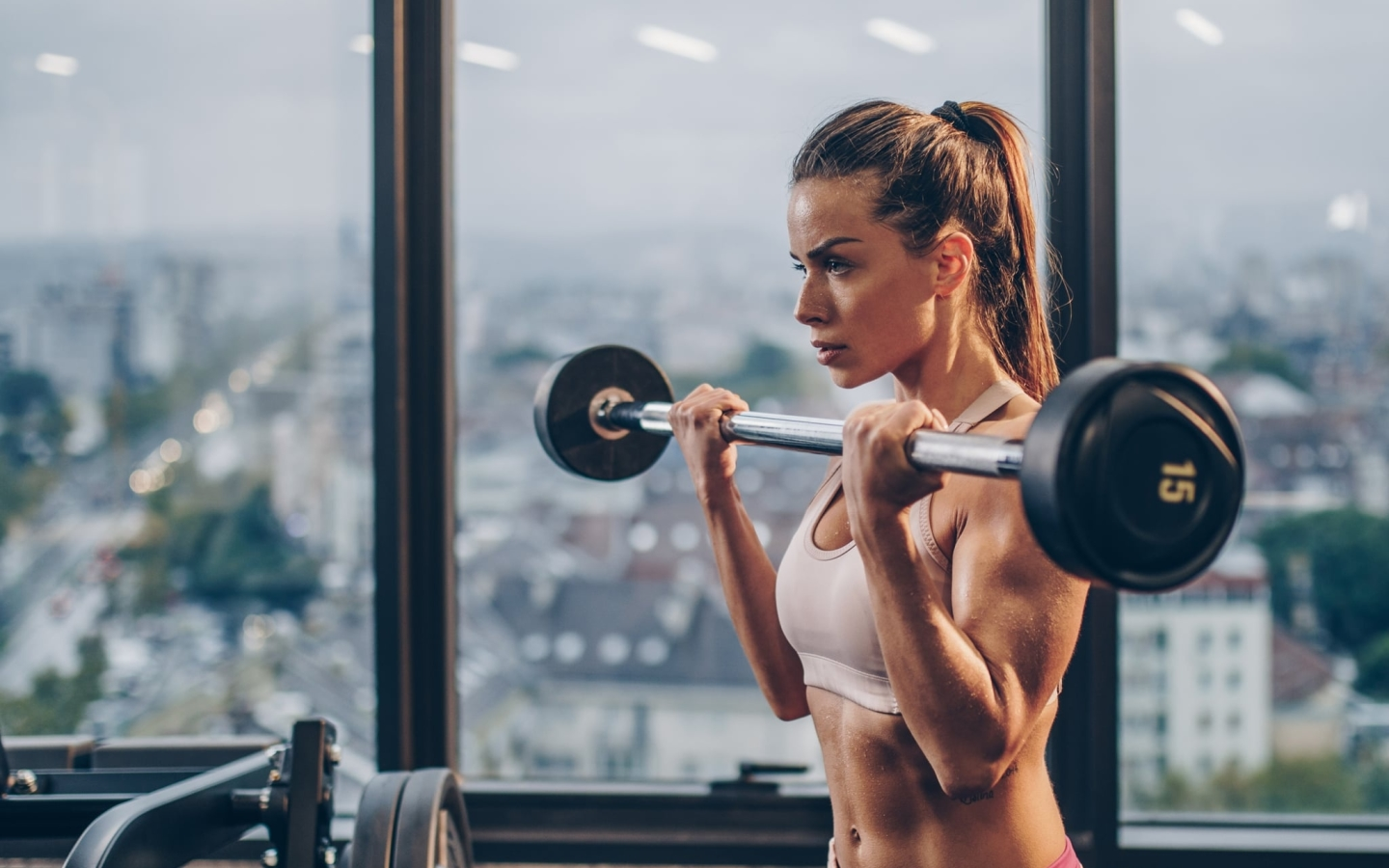 Girl Lifting Bar Wallpaper in 1440x900 Resolution
