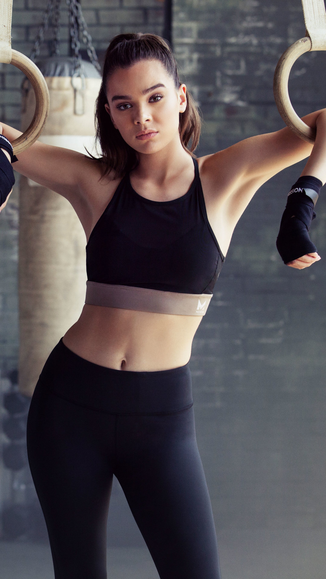 1080x1920 Hailee Steinfeld Hot Work Out Photoshoot Iphone 7