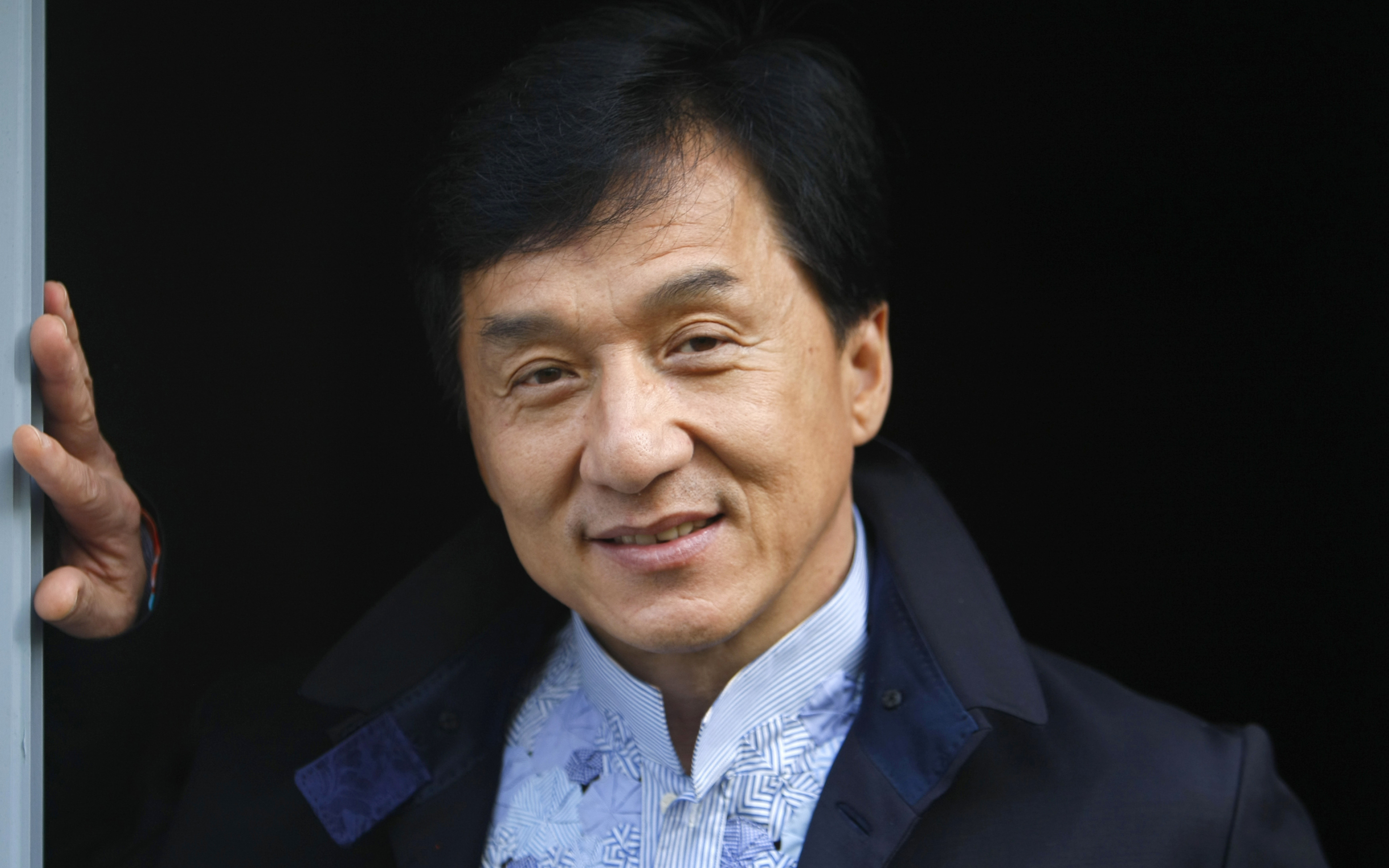 Download Jackie Chan New Photoshoot 3840x2400 Resolution Hd 4k