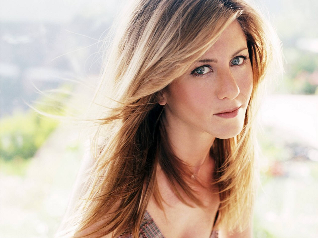 1360x768 Jennifer Aniston Eye Images Desktop Laptop HD Wallpaper