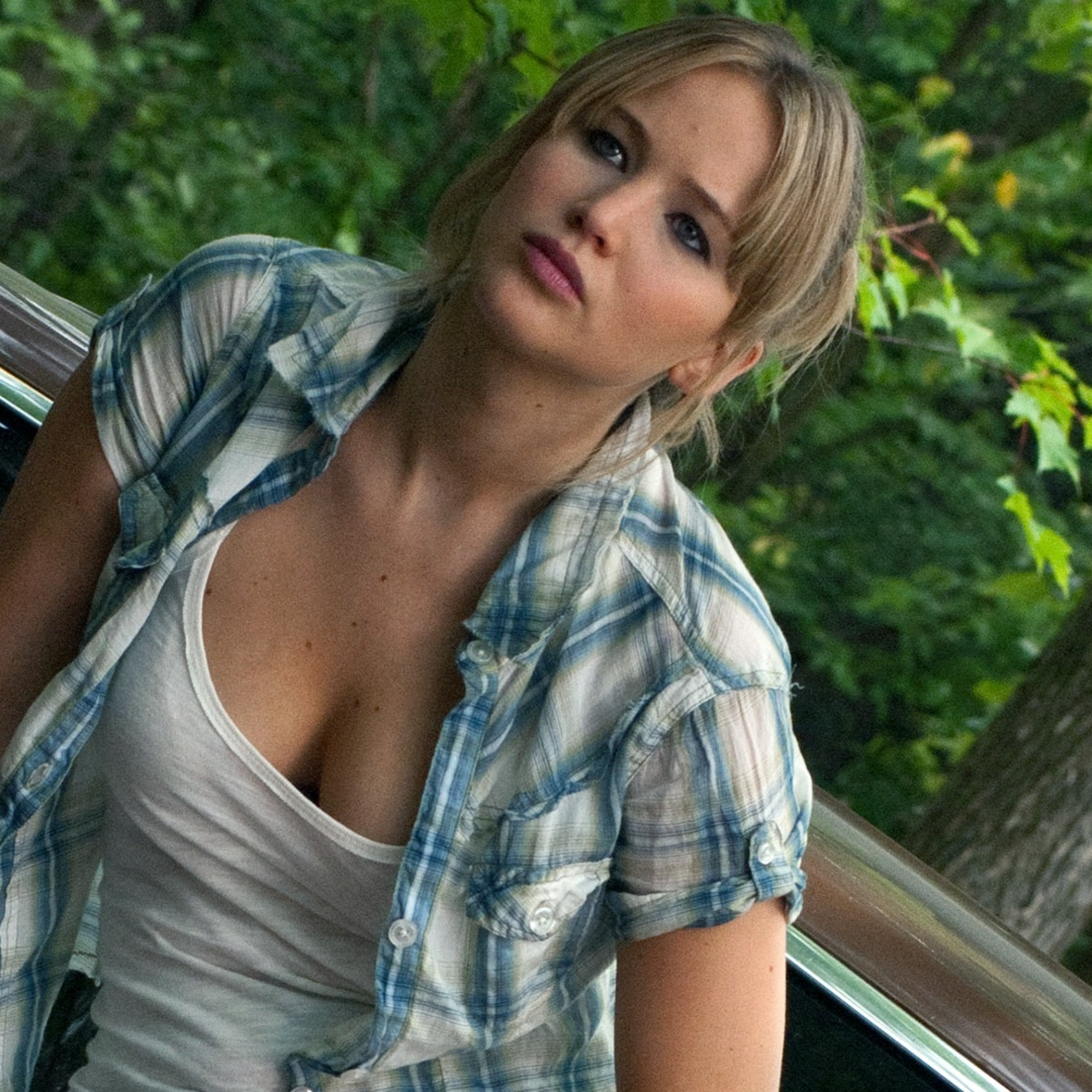 Jennifer Lawrence Cleavage Images 47640