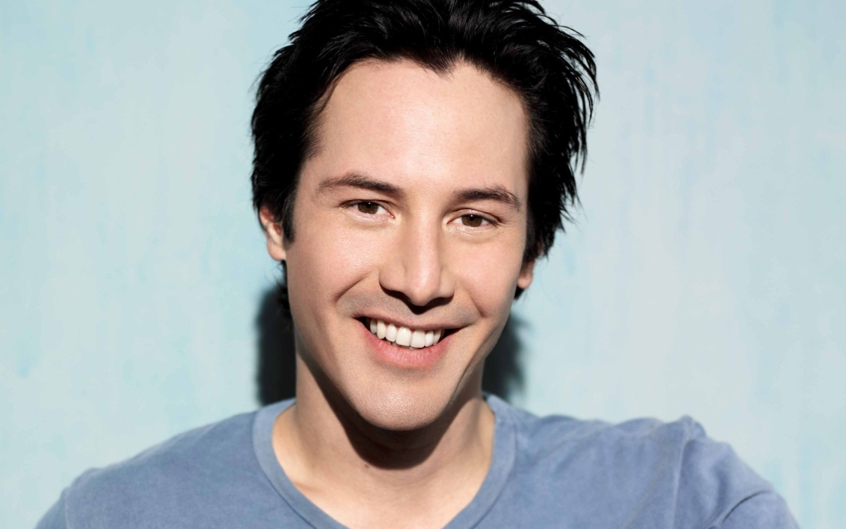 1680x1050 Keanu Reeves Smile Images 1680x1050 Resolution