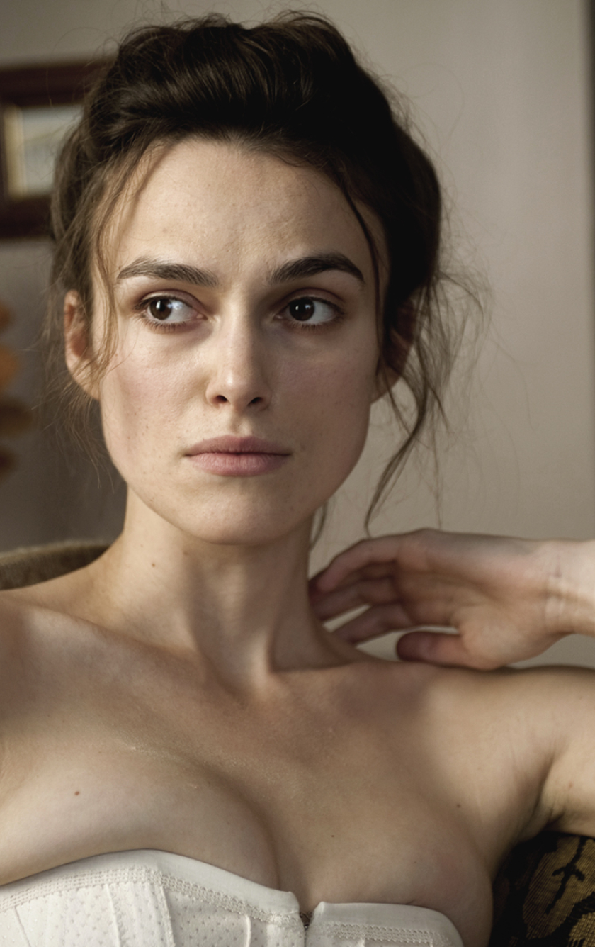 Download Keira Knightley Topless Photoshoot 840X1336 -7604