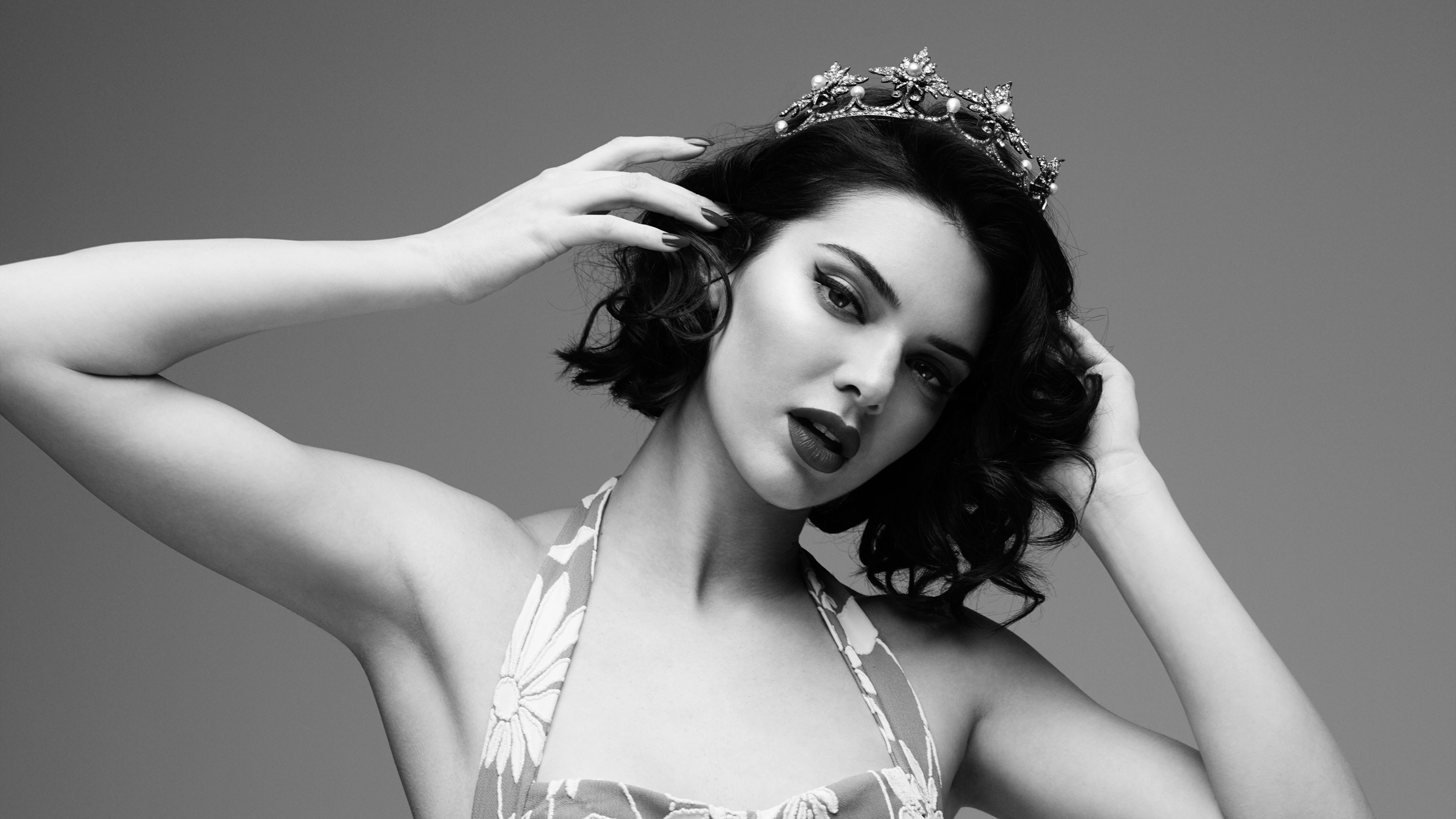 7680x4320 Kendall Jenner Marilyn Monroe Black And White Photoshoot