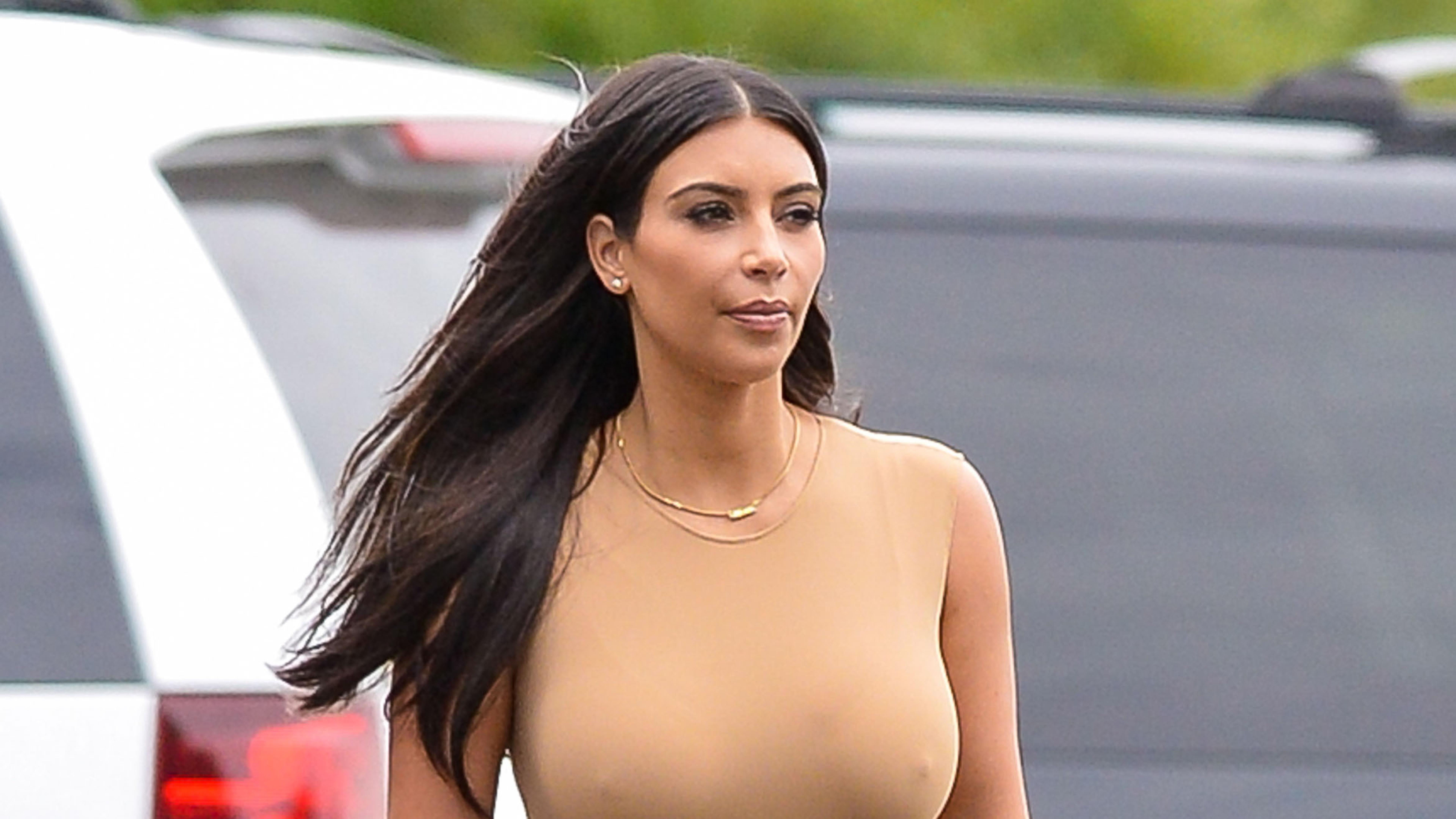 Kim Kardashian Big Boobs, Full Hd 2K Wallpaper-6344