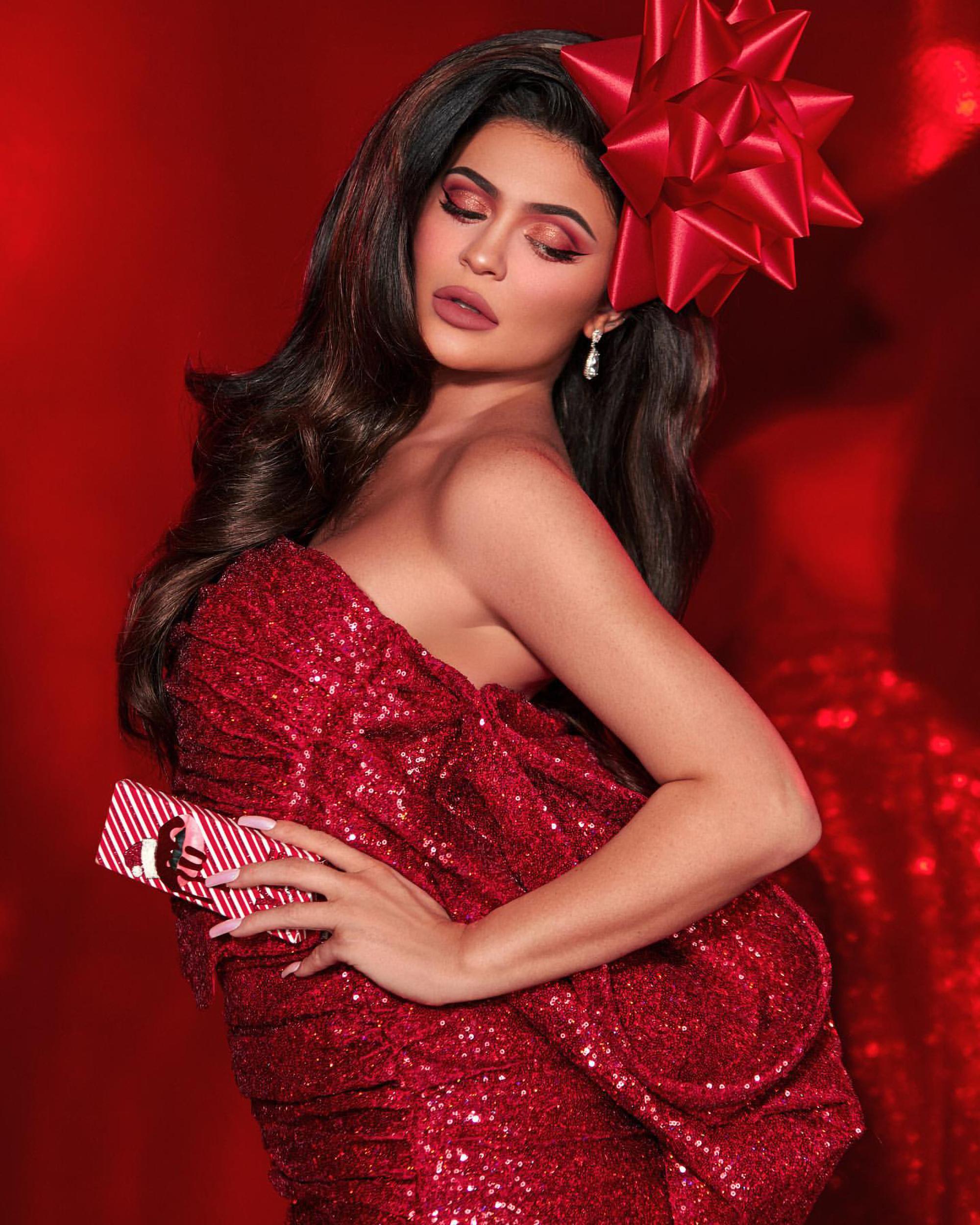 Kylie Jenner Red Dress Wallpaper, HD Celebrities 4K ...