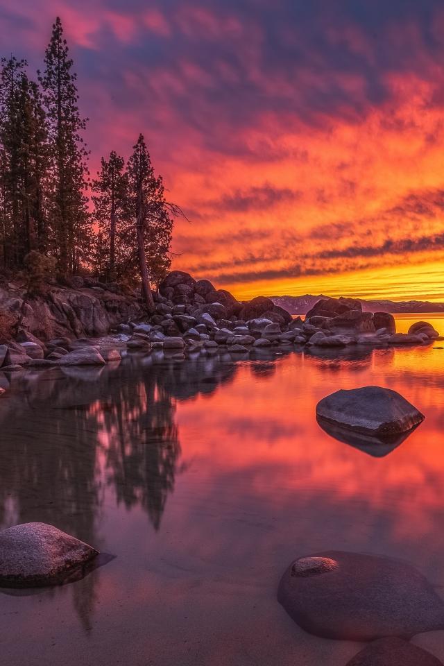 Lake Tahoe Nevada Wallpaper in 640x960 Resolution
