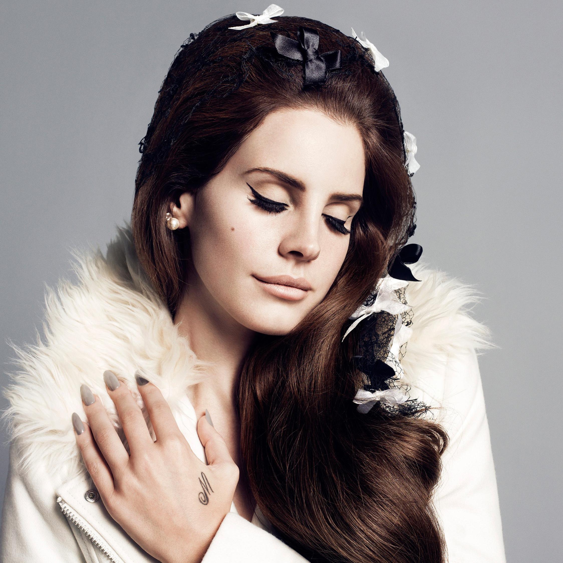 2248x2248 Lana Del Rey Portrait Wallpapers 2248x2248 Resolution