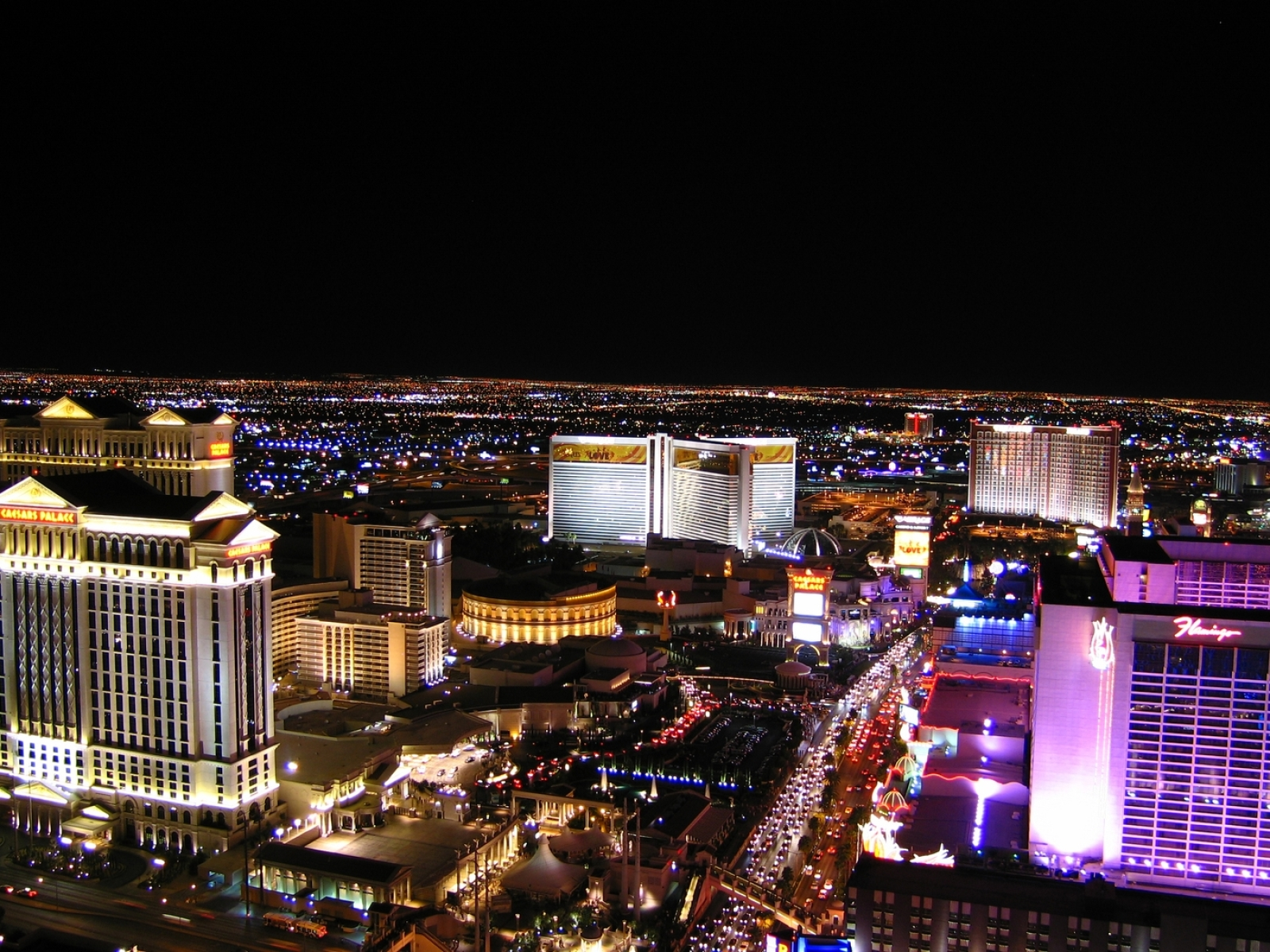 1600x1200 Las Vegas Night Hotels 1600x1200 Resolution Wallpaper