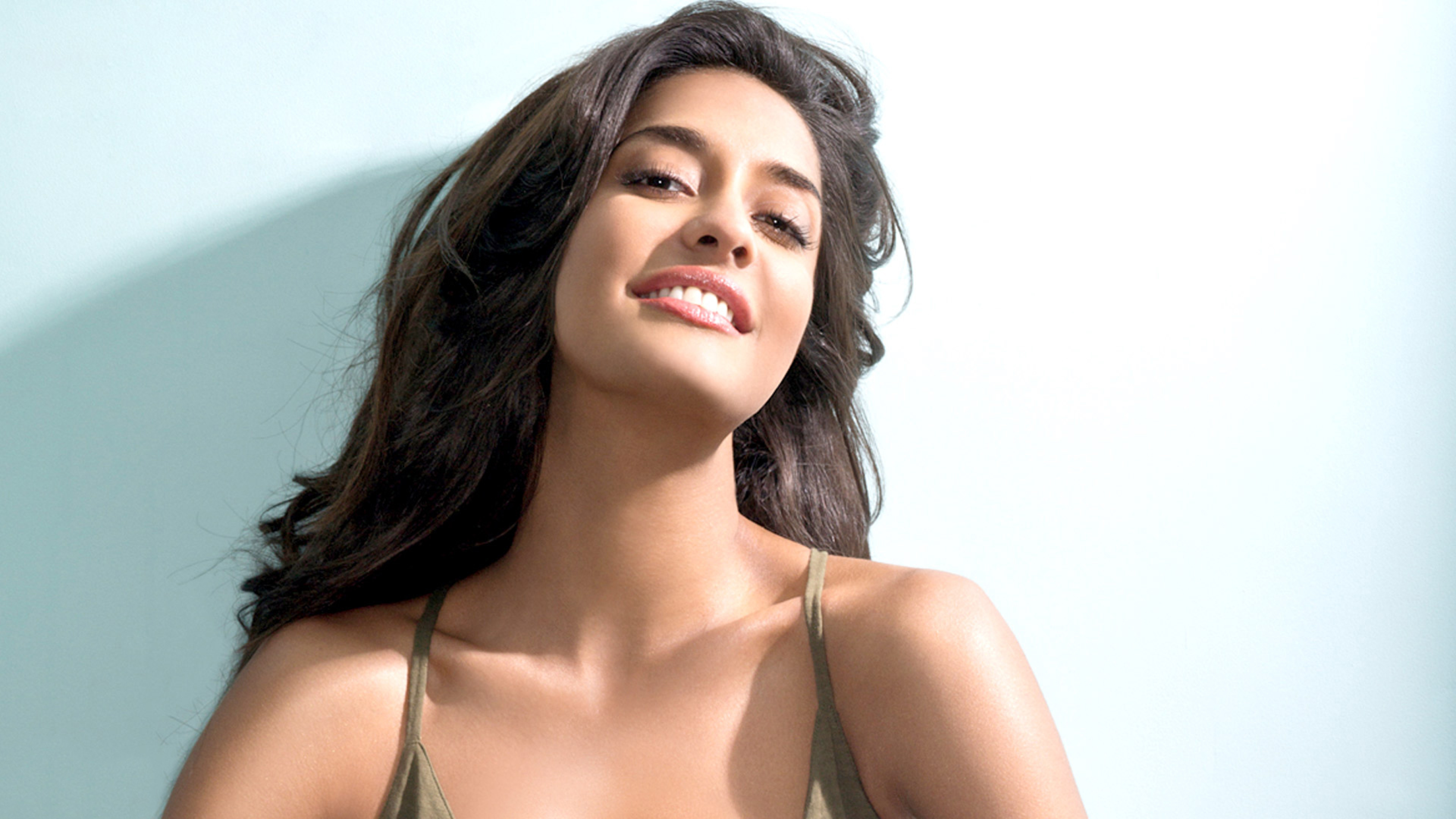 5120x2880 lisa haydon cute pics 5k wallpaper hd indian celebrities 4k wallpapers images photos and background 5120x2880 lisa haydon cute pics 5k