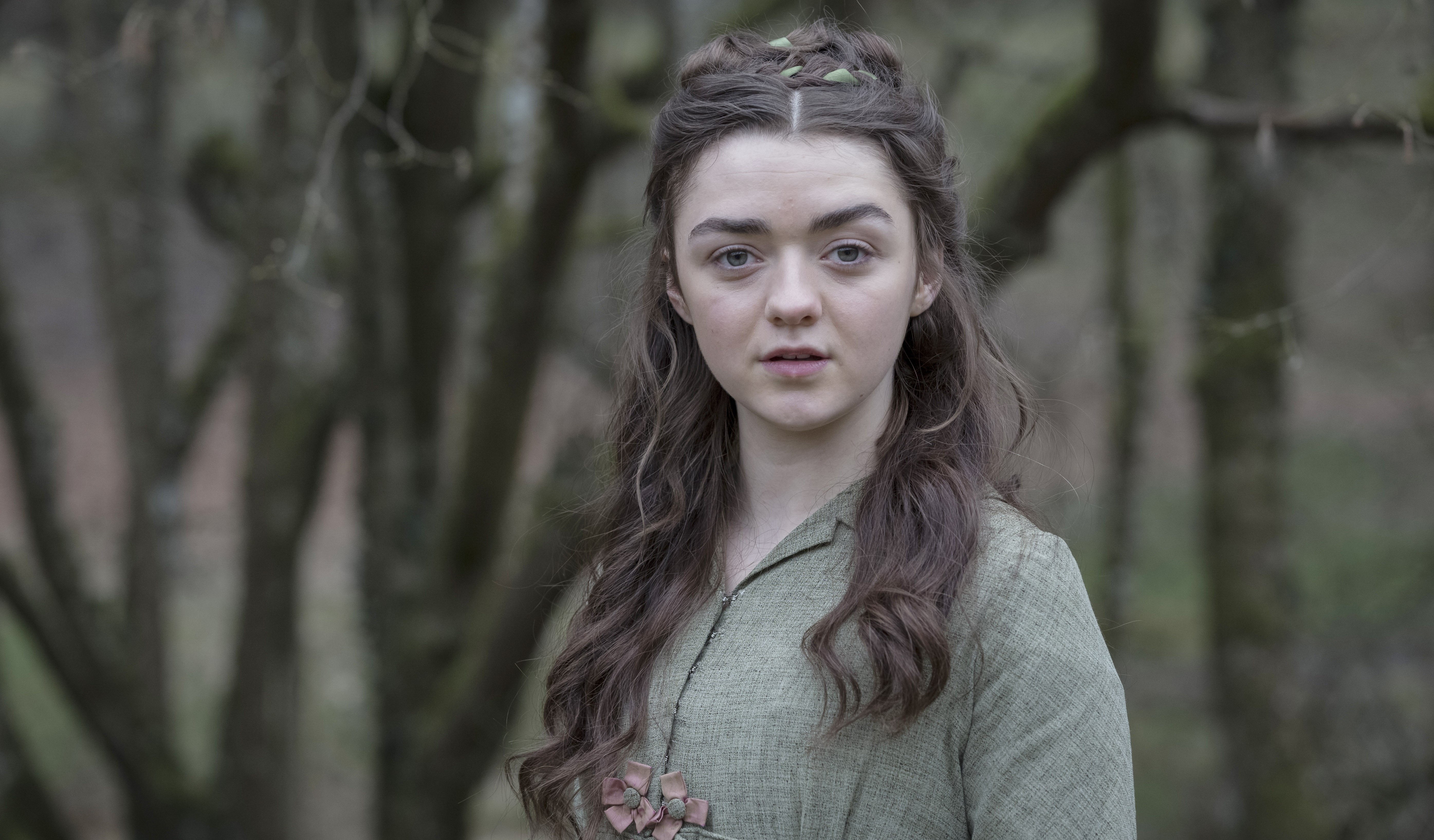Maisie Williams In Mary Shelley 2018 Movie Wallpaper Hd